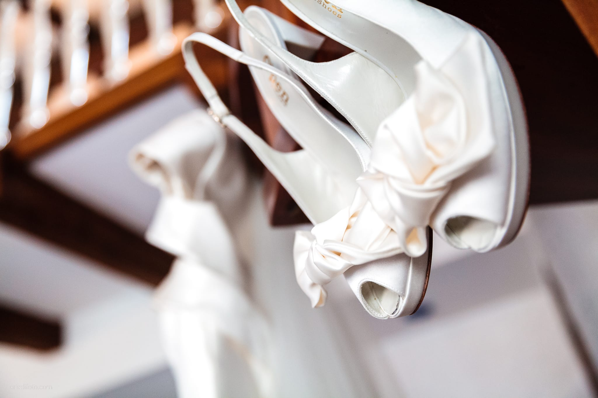 Camilla Giacomo matrimonio Duino Trieste Palazzo Lantieri Gorizia Farra preparativi dettagli scarpe