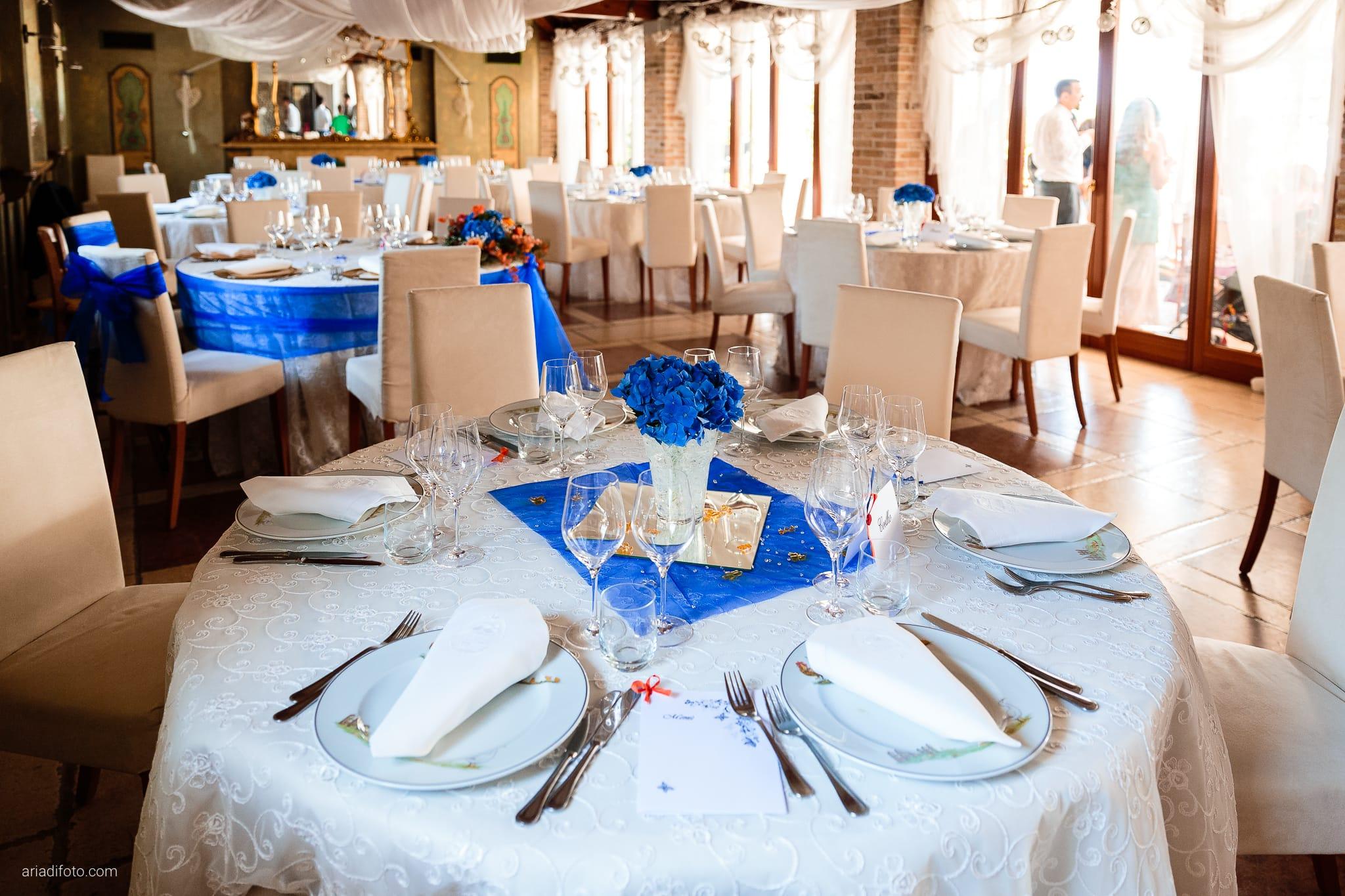 Elisa Diego matrimonio Villa Revoltella Trieste Paradiso Pocenia Udine ricevimento dettagli allestimento tavoli blu centrotavola