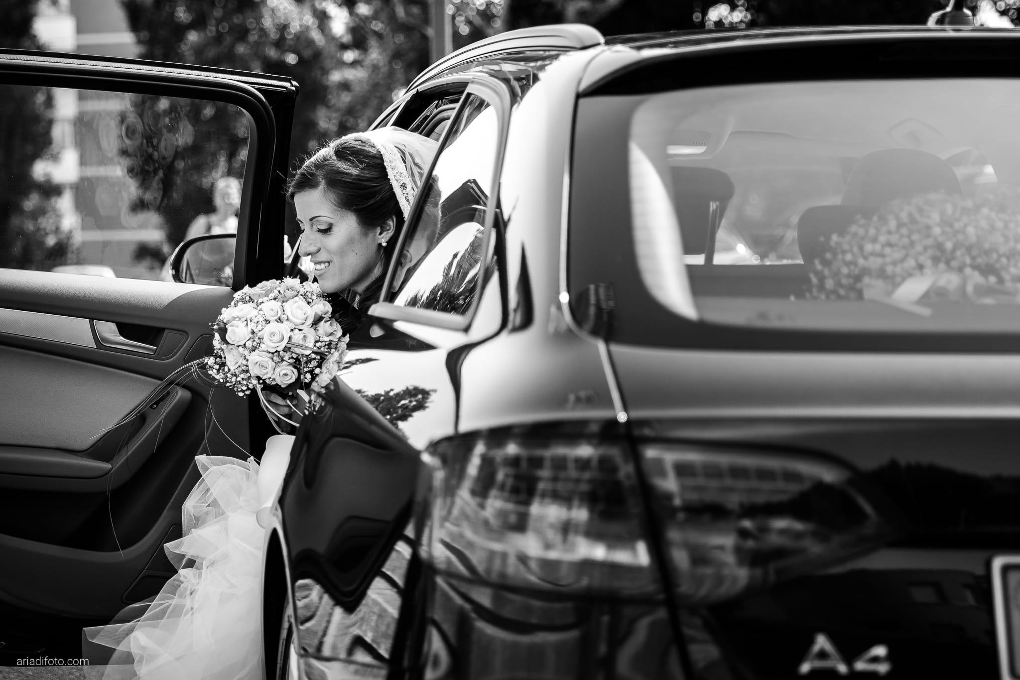 Donatella Enrico matrimonio Castello Duino Trieste cerimonia auto ingresso sposa Madonna del Mare