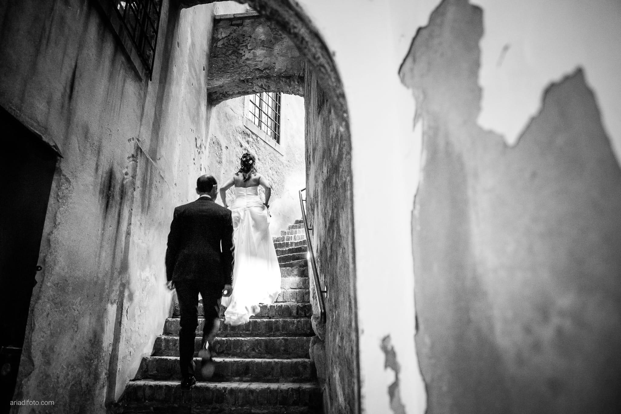 Donatella Enrico matrimonio Castello Duino Trieste ricevimento momenti scale