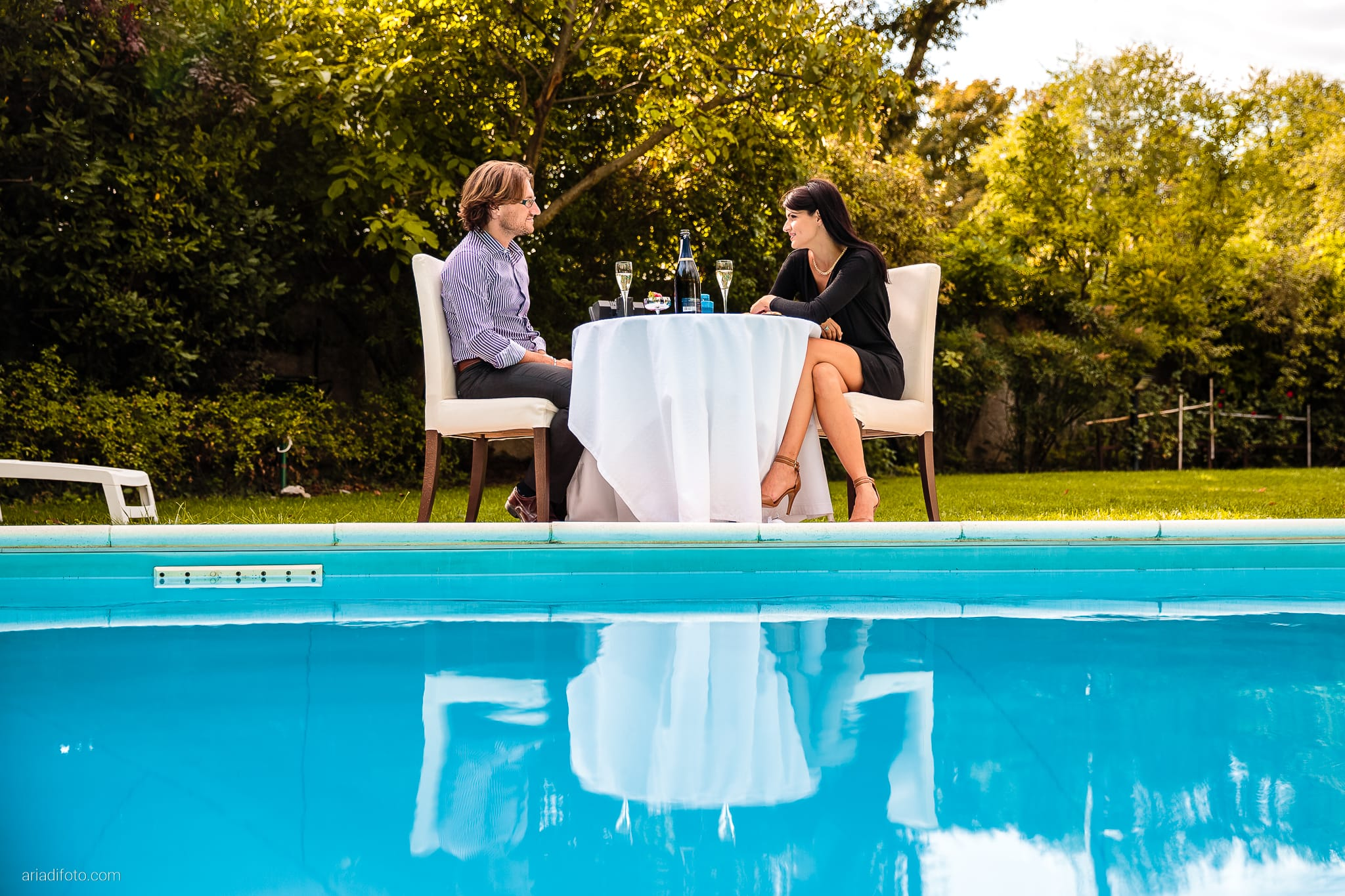 Alessandra Paolo prematrimoniale piscina giardino Trieste