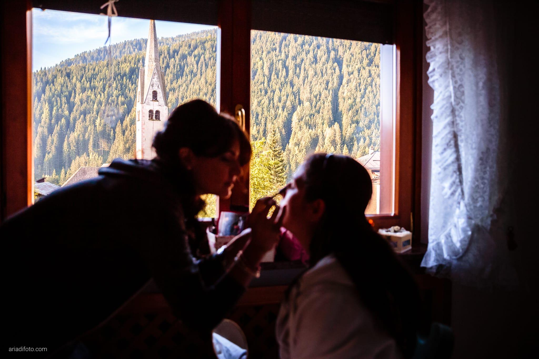 Elisa Gabriele matrimonio Veneto Val Zoldana Belluno preparativi trucco campanile