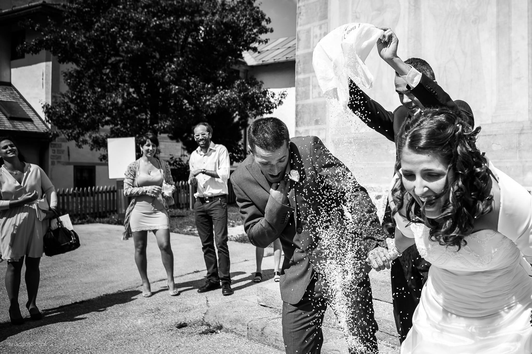 Elisa Gabriele matrimonio Veneto Val Zoldana Belluno lancio riso San Nicolò