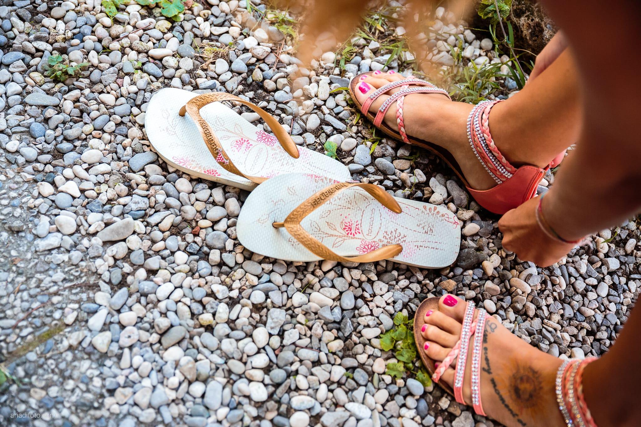 Sara Marco matrimonio Grado campeggio Punta Spin Gorizia preparativi scarpe infradito