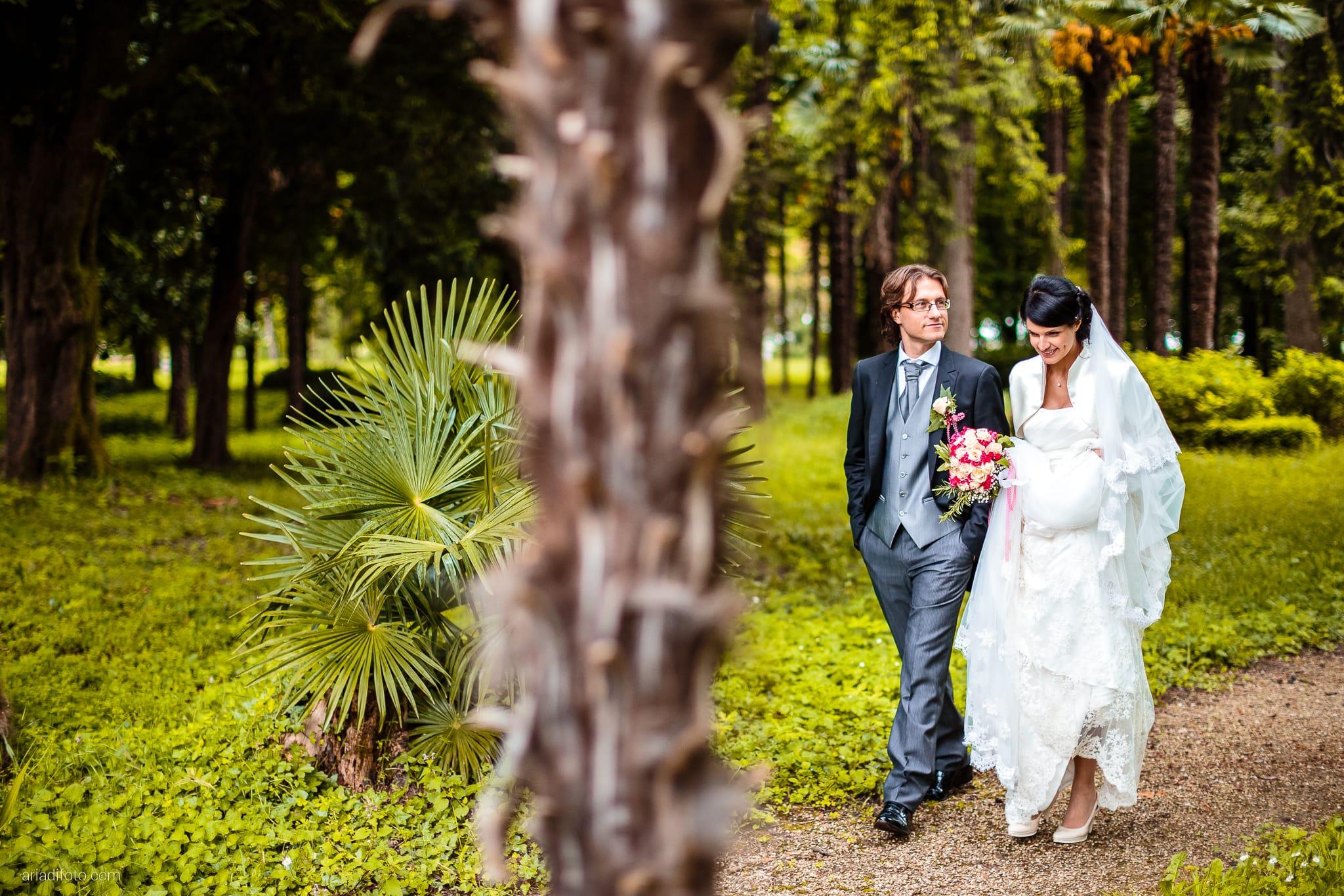 Alessandra Paolo matrimonio Villa Iachia Ruda Udine ritratti sposi parco