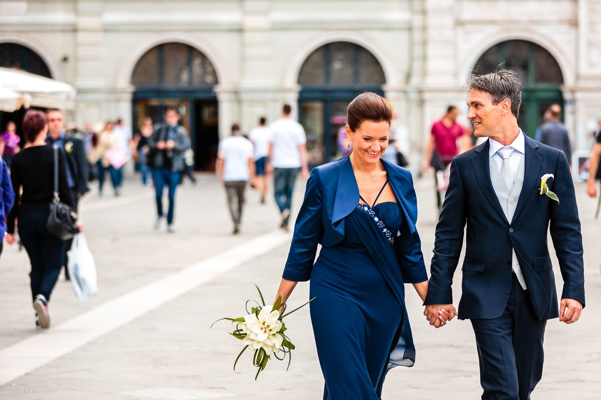 Elena Lorenzo matrimonio Zemono Vipacco Slovenia ritratti sposi piazza unità