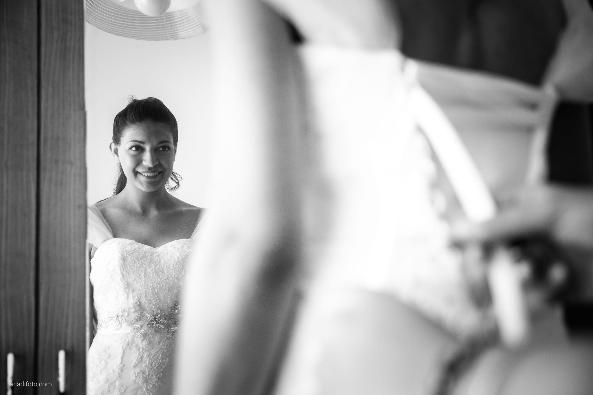 Fiordaliso Andrea matrimonio Salvia Rosmarino Trieste preparativi specchio riflesso abito
