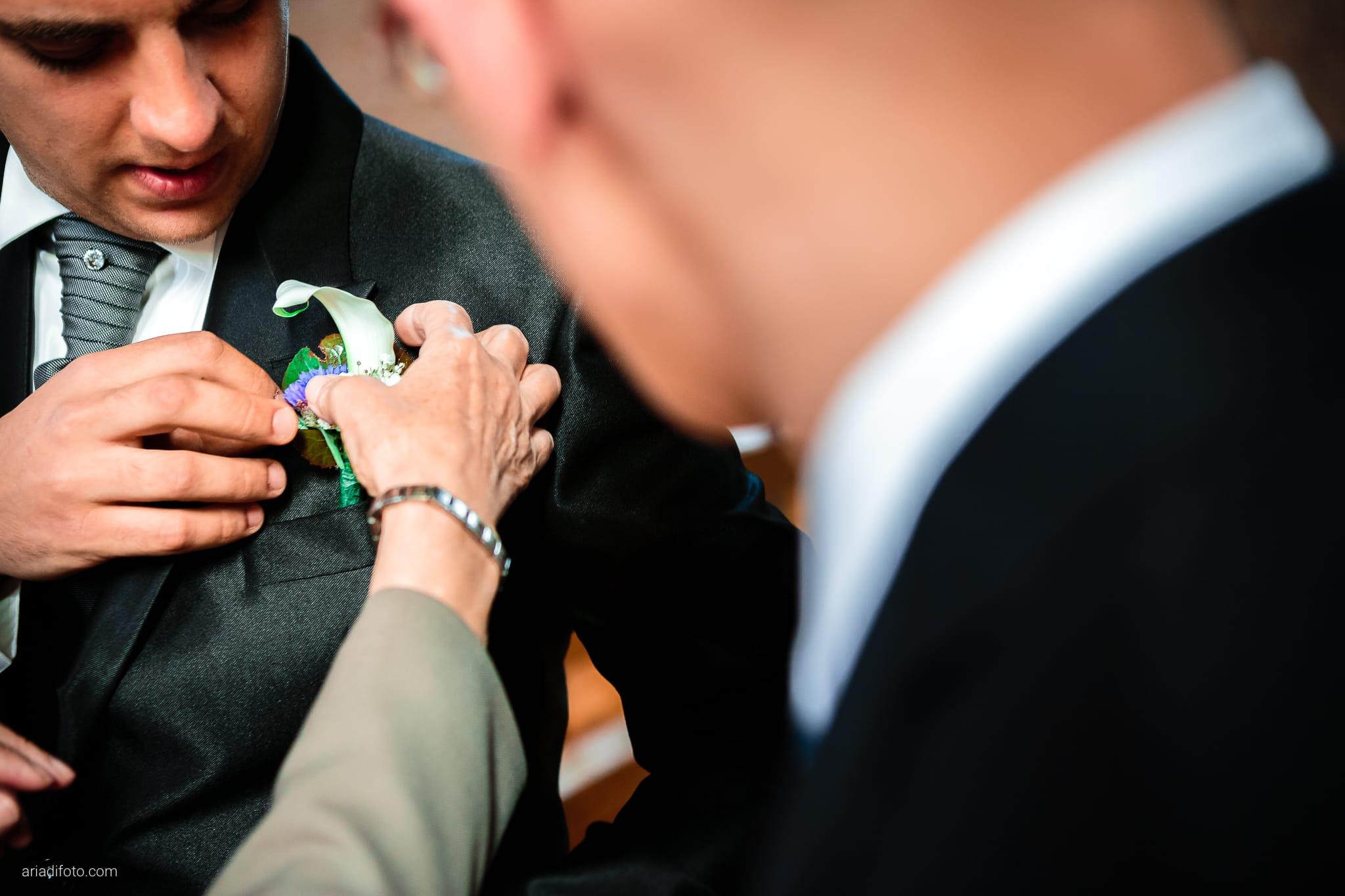 Fiordaliso Andrea matrimonio Salvia Rosmarino Trieste cerimonia dettagli fiore occhiello boutonniere