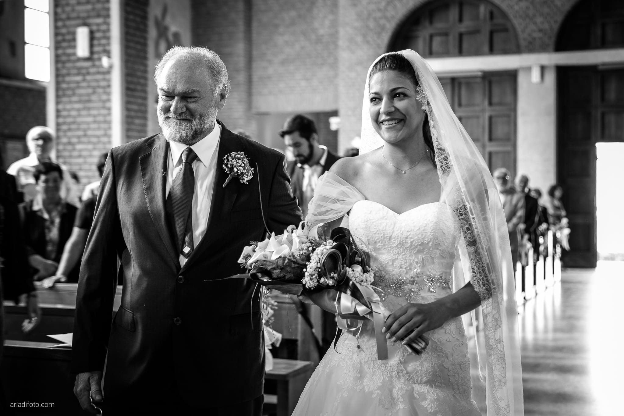 Fiordaliso Andrea matrimonio Salvia Rosmarino Trieste cerimonia ingresso sposa Beata Vergine delle Grazie