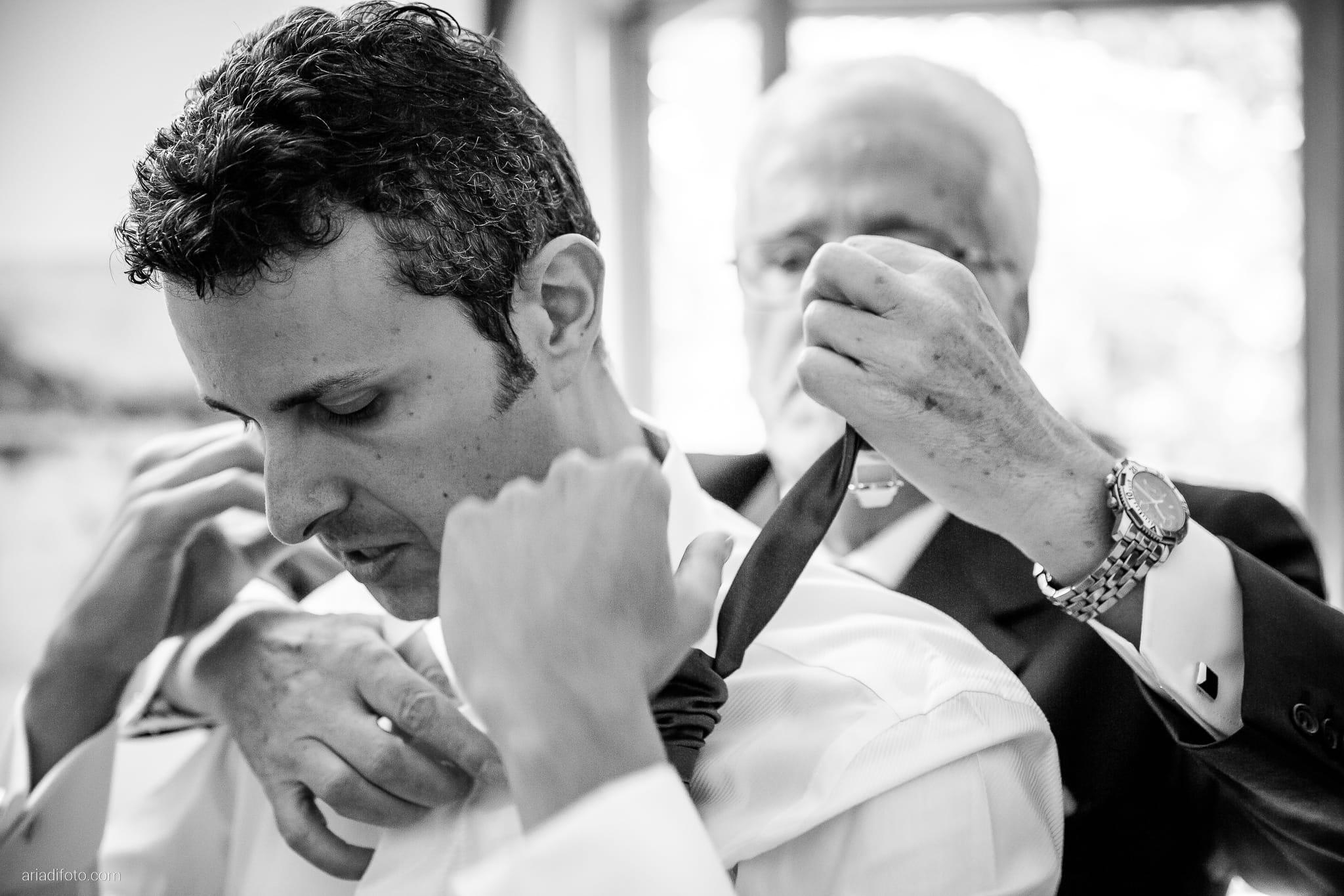 Roberta Alessandro matrimonio Duino Baronesse Tacco San Floriano del Collio Gorizia preparativi cravatta
