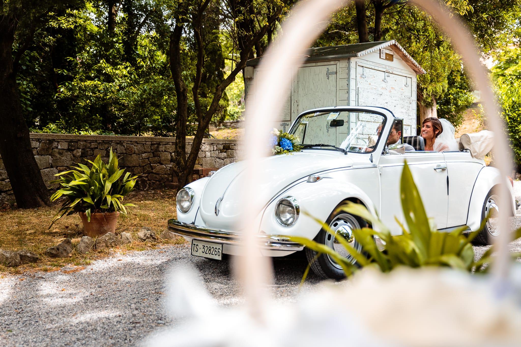 Roberta Alessandro matrimonio Duino San Giovanni in Tuba Baronesse Tacco San Floriano del Collio Gorizia cerimonia auto volkswagen maggiolone papà