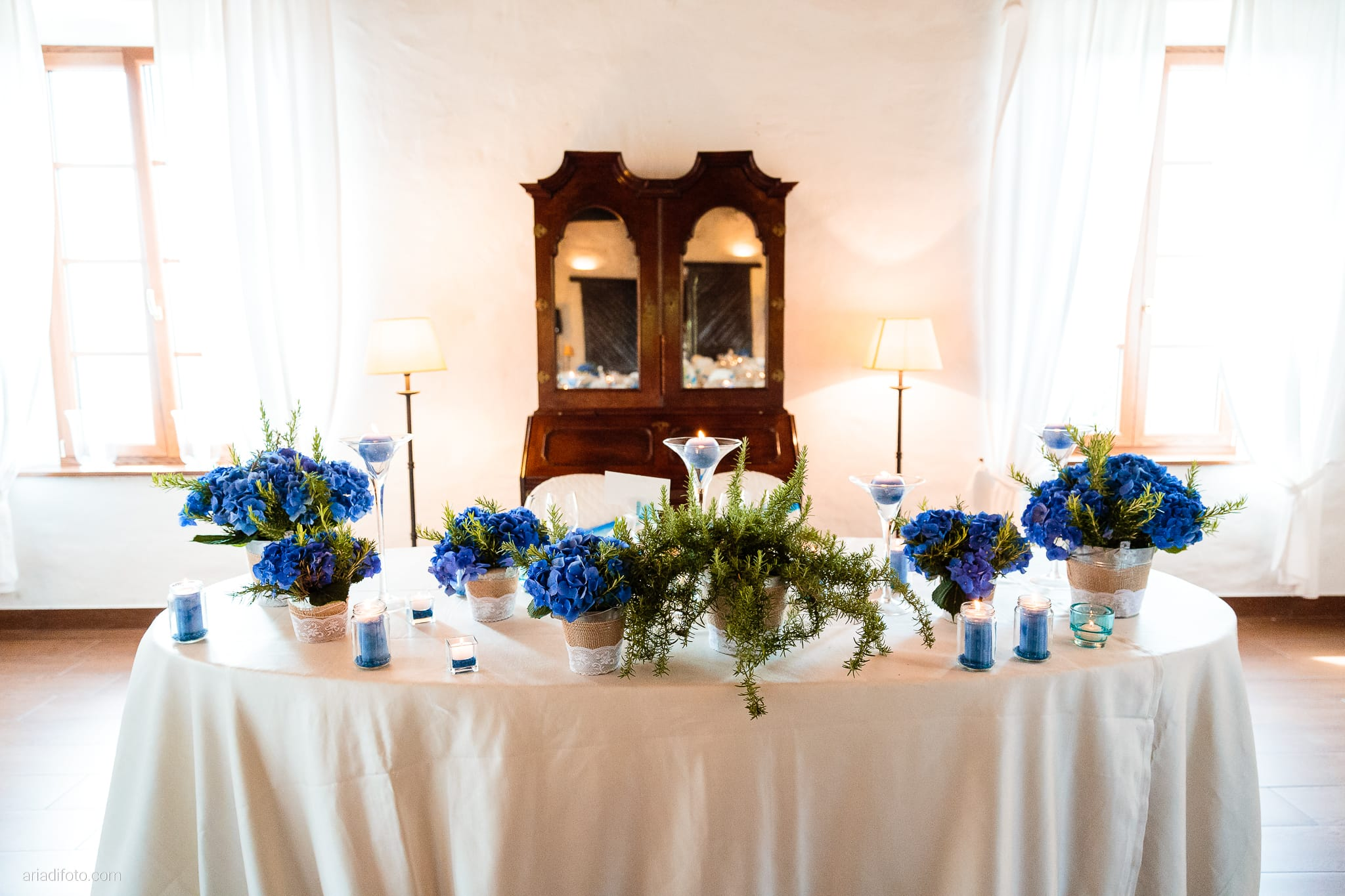 Roberta Alessandro matrimonio Duino Baronesse Tacco San Floriano del Collio Gorizia ricevimento allestimenti sala tavoli decorazioni fiori centrotavola