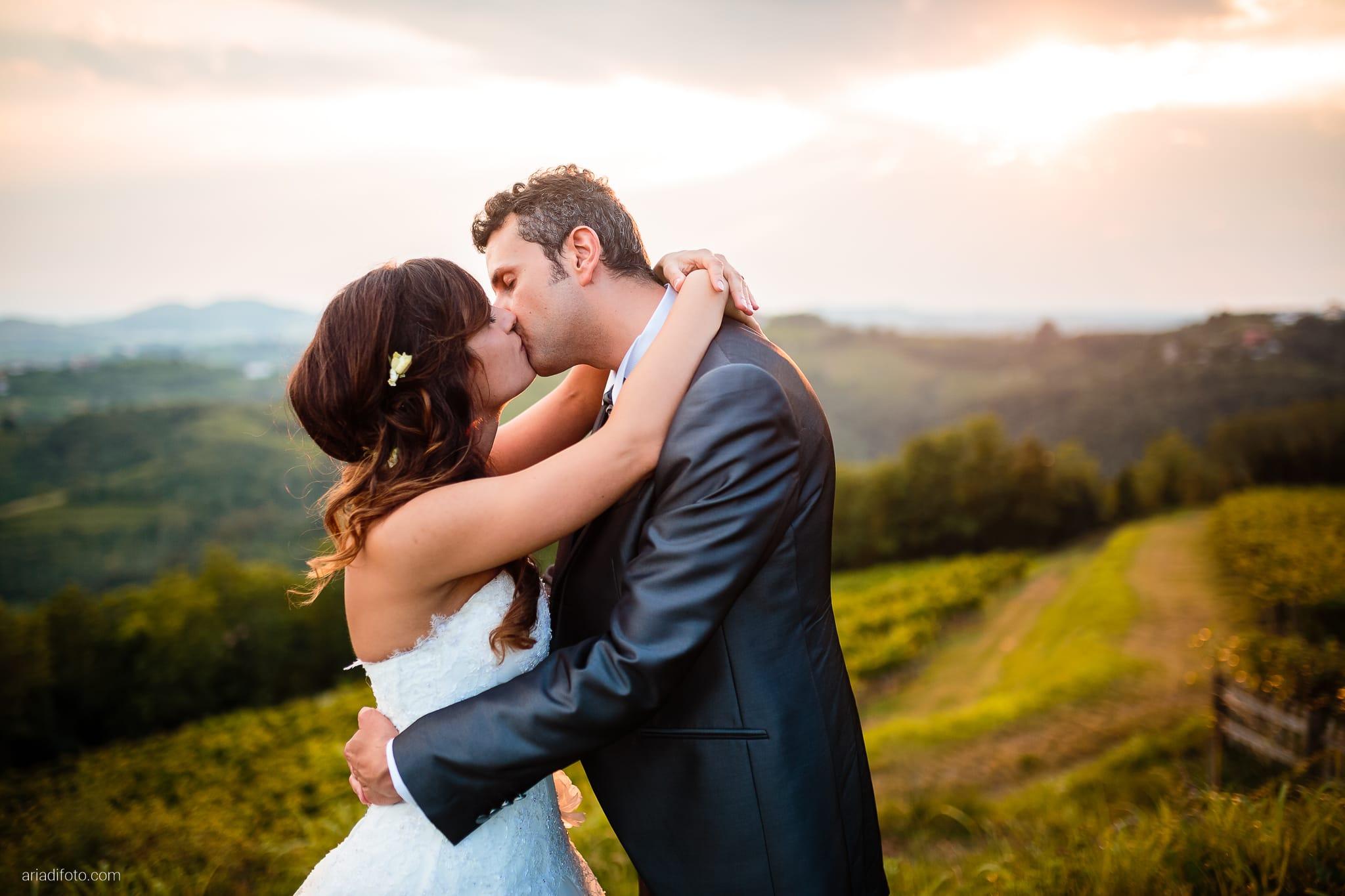 Roberta Alessandro matrimonio Duino Baronesse Tacco San Floriano del Collio Gorizia ritratti sposi tramonto