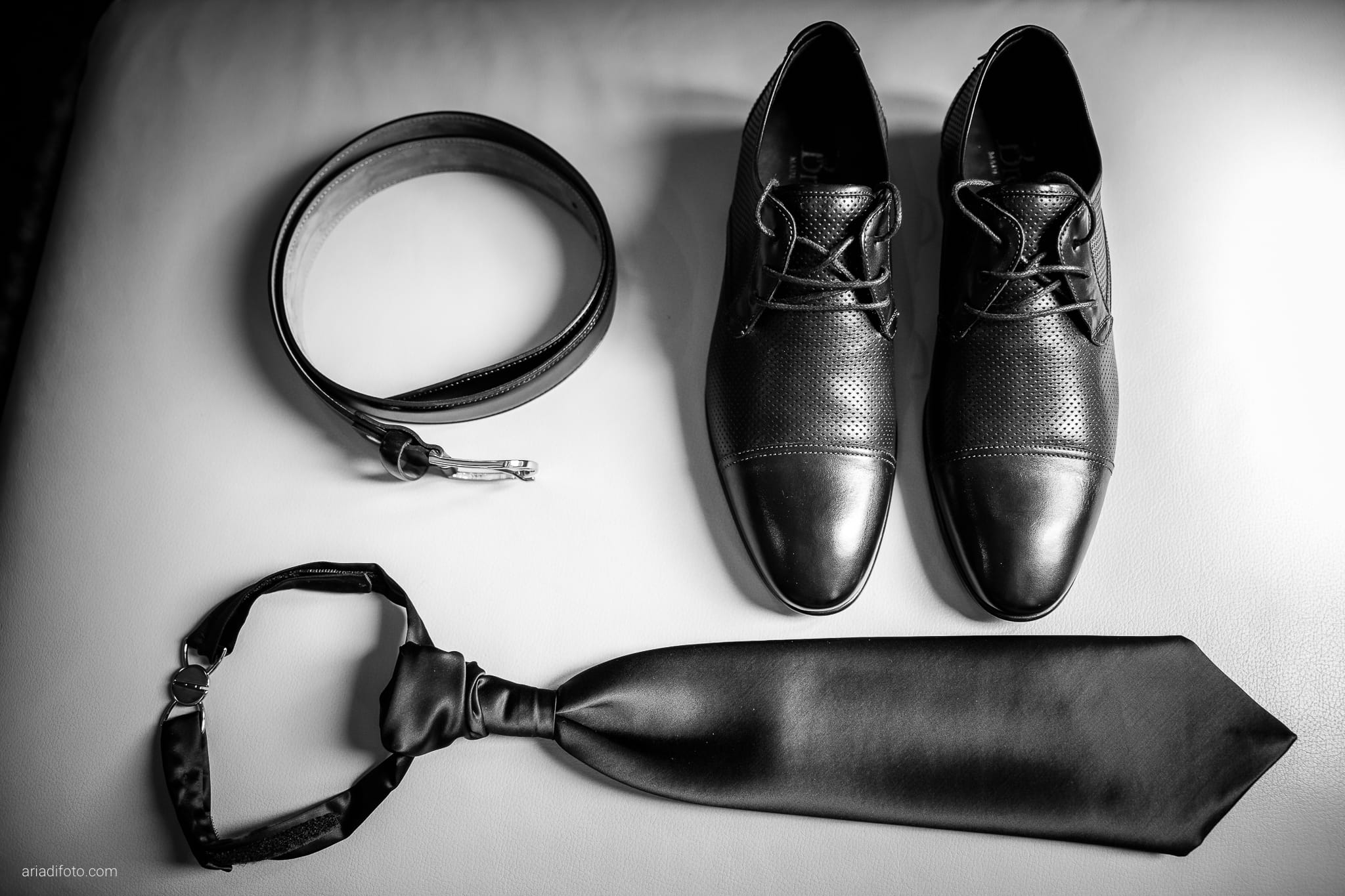 Chiara Mensur matrimonio Pradamano Baronesse Tacco San Floriano del Collio Gorizia preparativi dettagli cintura scarpe cravatte