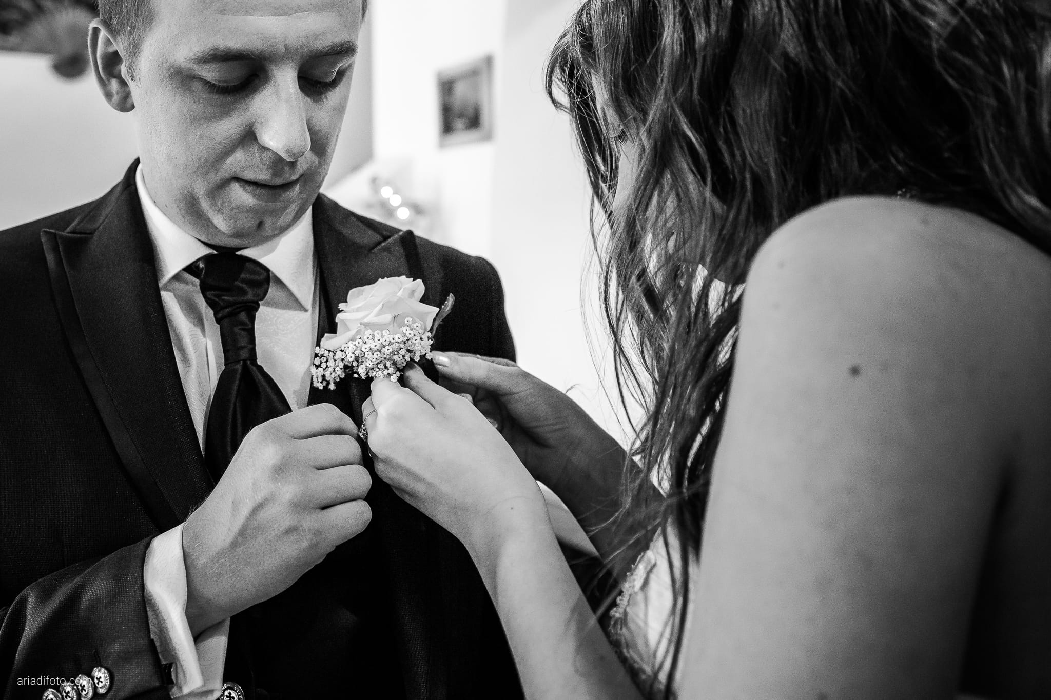 Chiara Mensur matrimonio Pradamano Baronesse Tacco San Floriano del Collio Gorizia preparativi fiore occhiello boutonniere