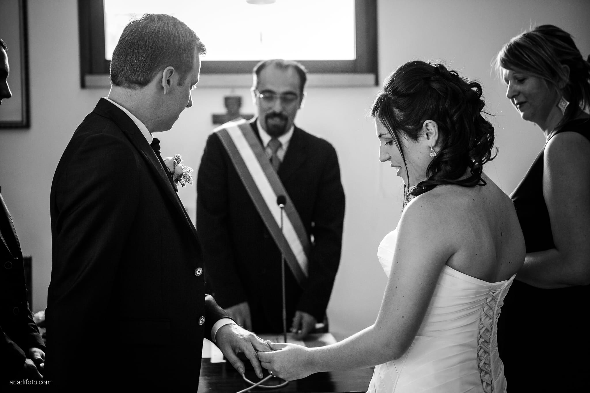 Chiara Mensur matrimonio Pradamano Baronesse Tacco San Floriano del Collio Gorizia cerimonia scambio anelli