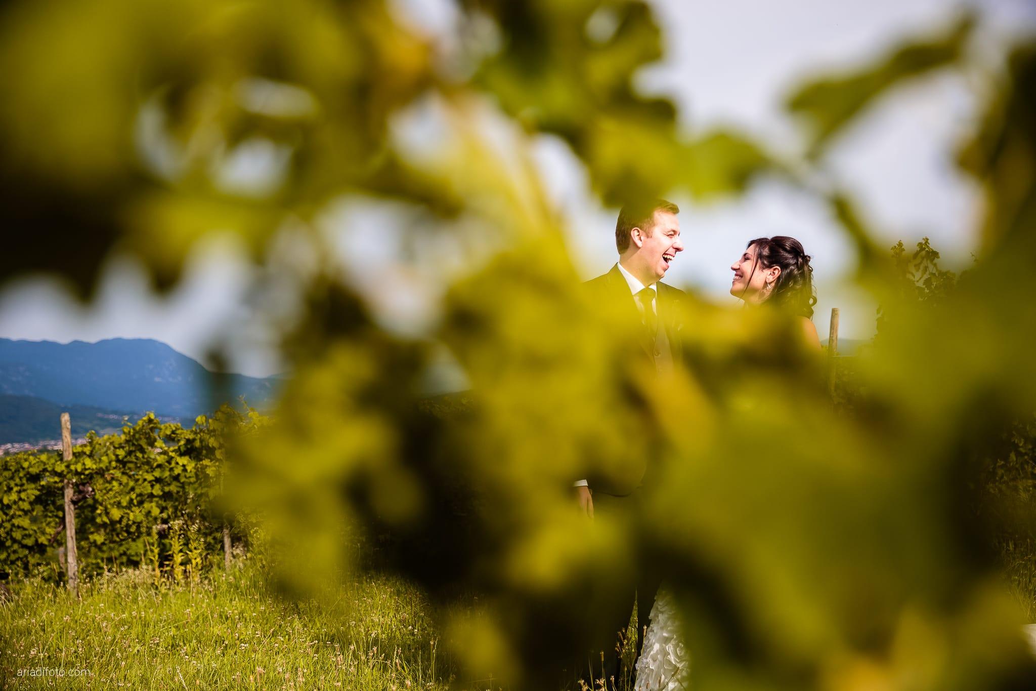 Chiara Mensur matrimonio Pradamano Baronesse Tacco San Floriano del Collio Gorizia ritratti sposi vitigni