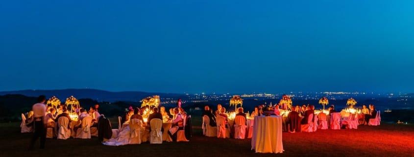 Chiara Mensur matrimonio Pradamano Baronesse Tacco San Floriano del Collio Gorizia ricevimento tavoli candele notte cena