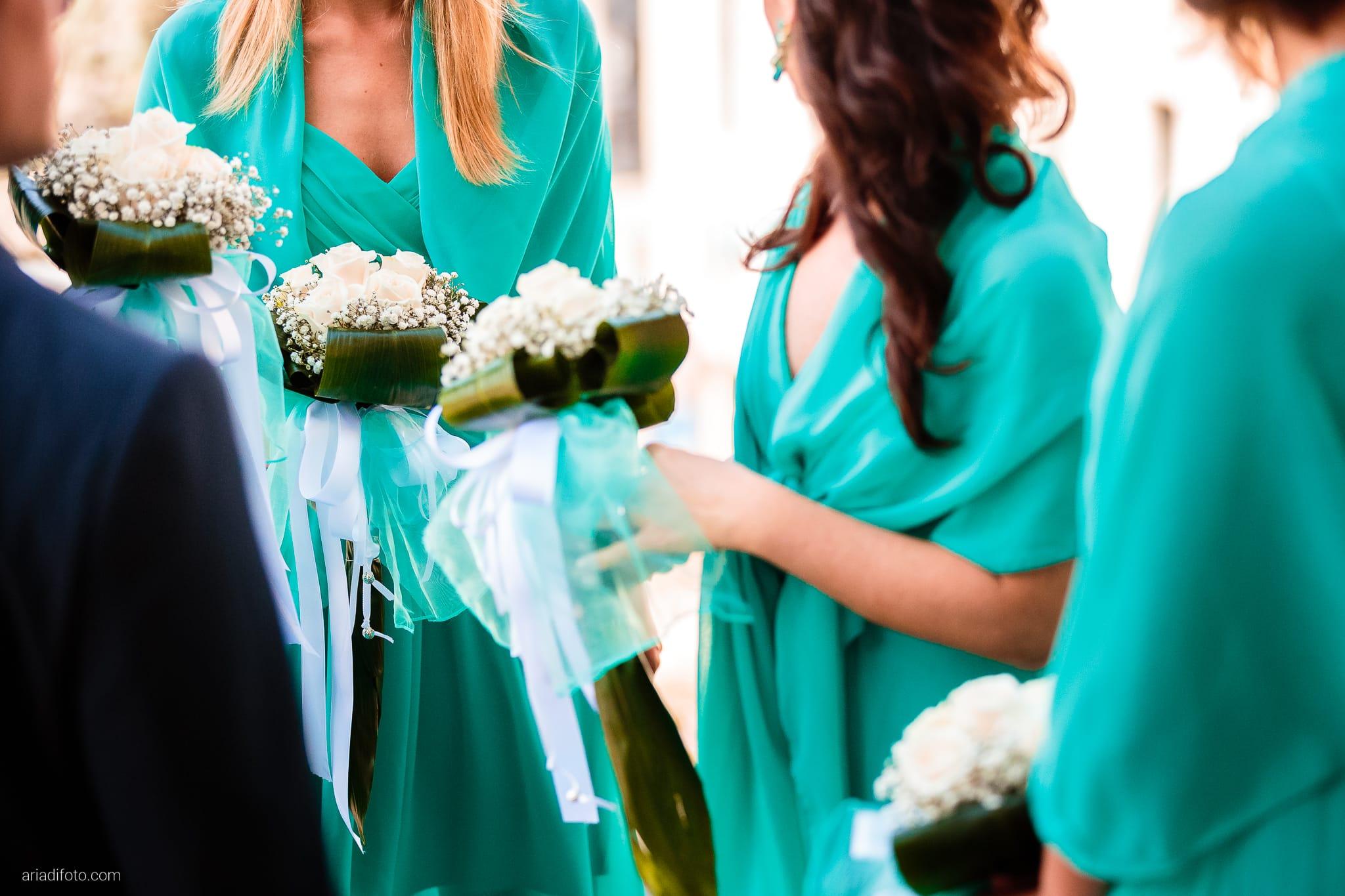 Martina Maurizio matrimonio Trieste Castello Spessa Gorizia dettagli bouquet rose damigelle