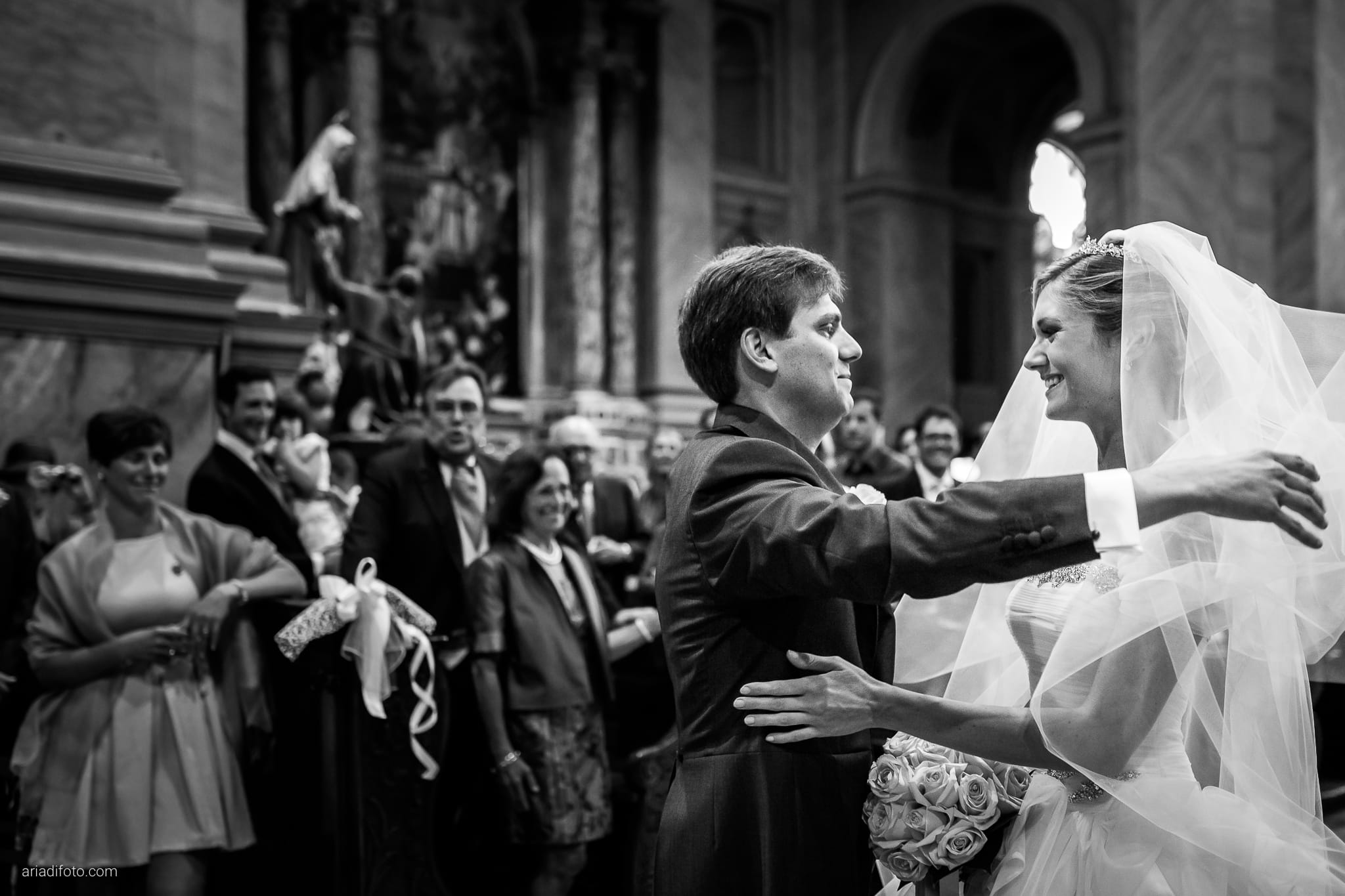 Martina Maurizio matrimonio Trieste Castello Spessa Gorizia cerimonia Santa Maria Maggiore ingresso sposa