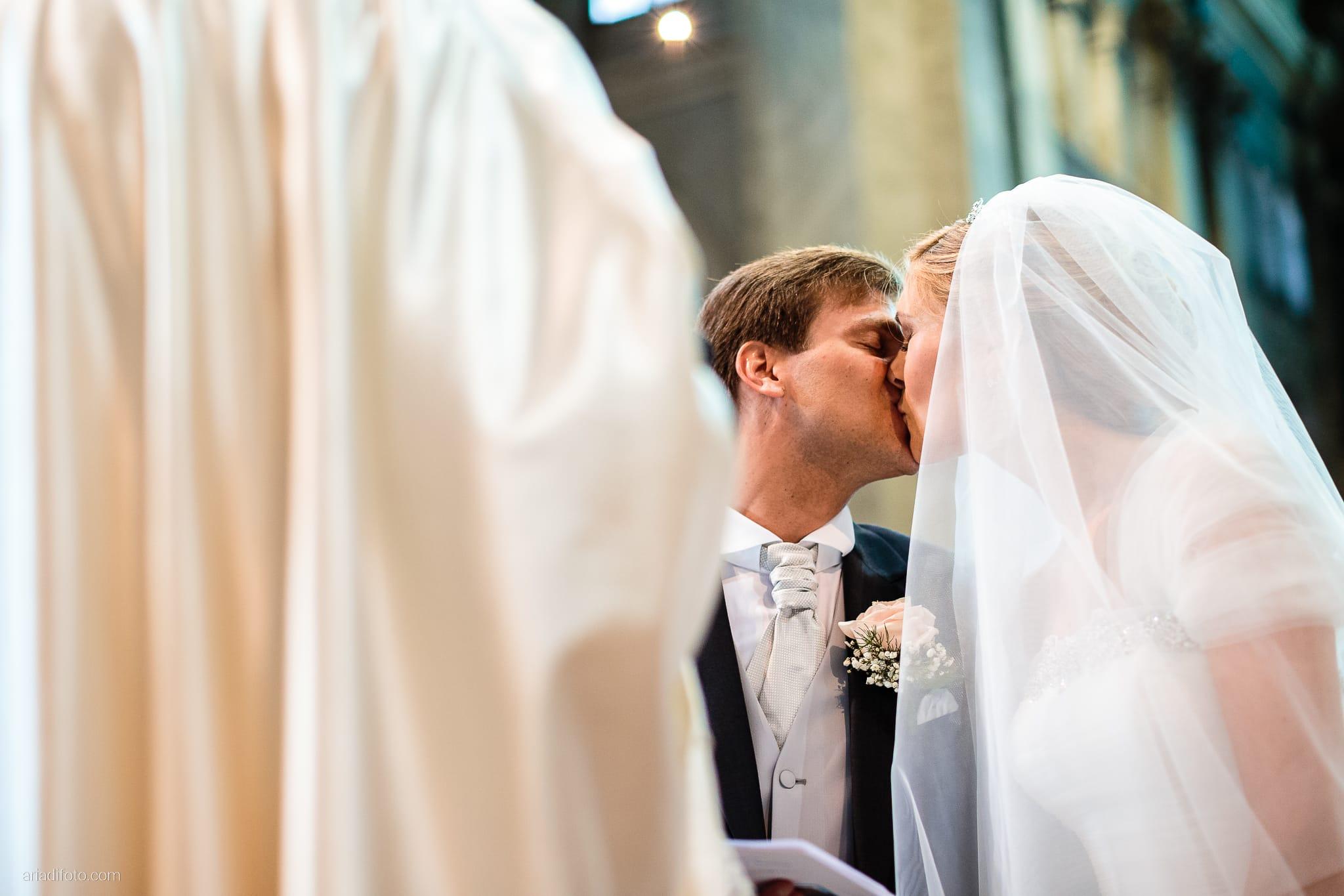 Martina Maurizio matrimonio Trieste Castello Spessa Gorizia cerimonia Santa Maria Maggiore scambio anelli