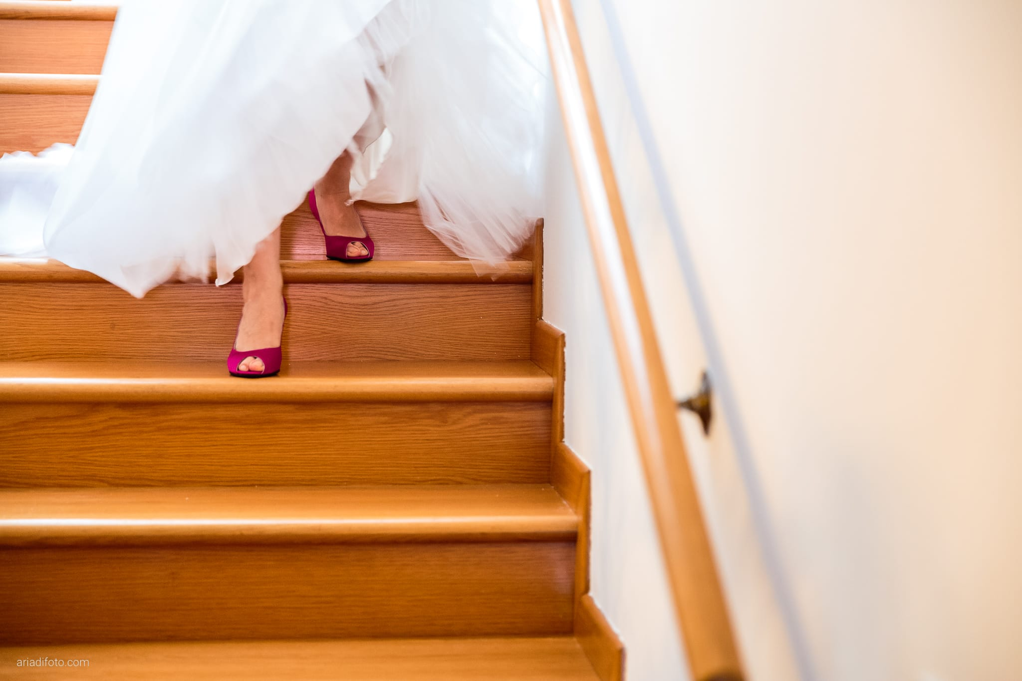 Dorella Stefano matrimonio Cormons Villa Chiopris Udine preparativi dettagli scarpe scale
