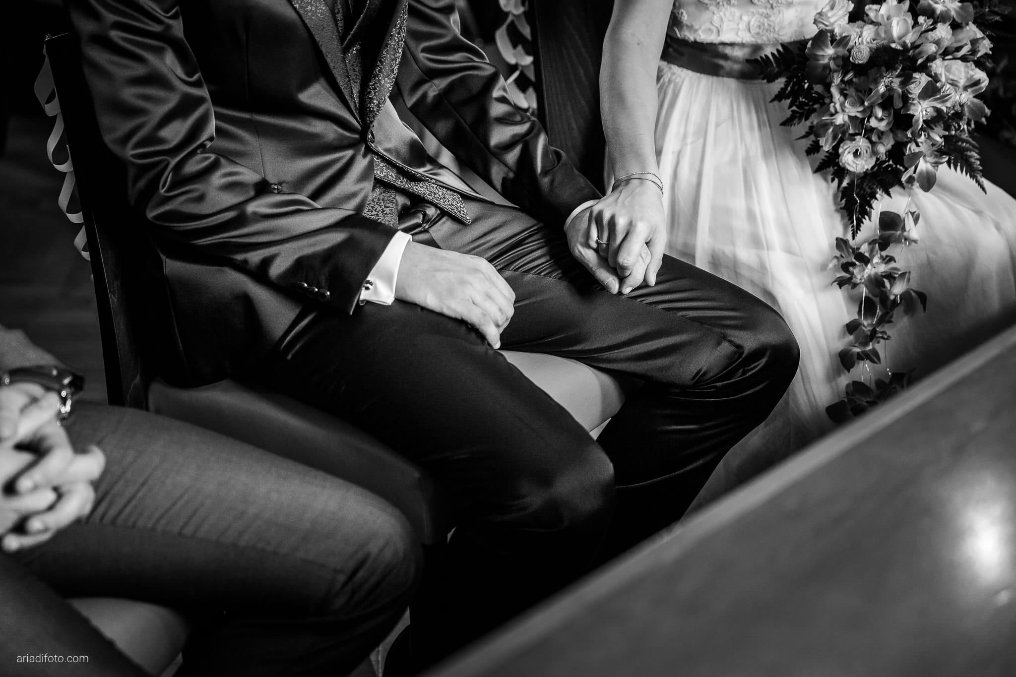 Dorella Stefano matrimonio Cormons Villa Chiopris Udine cerimonia dettagli mani