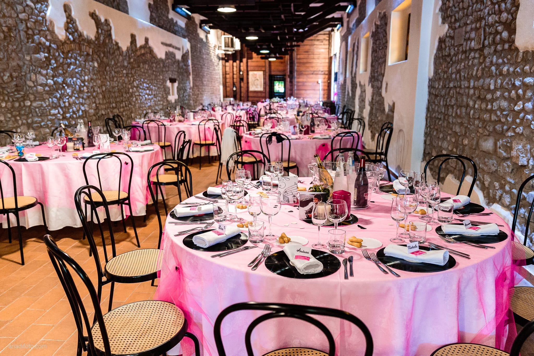 Dorella Stefano matrimonio Cormons Villa Chiopris Udine ricevimento dettagli allestimenti sala decorazioni centrotavola vinile