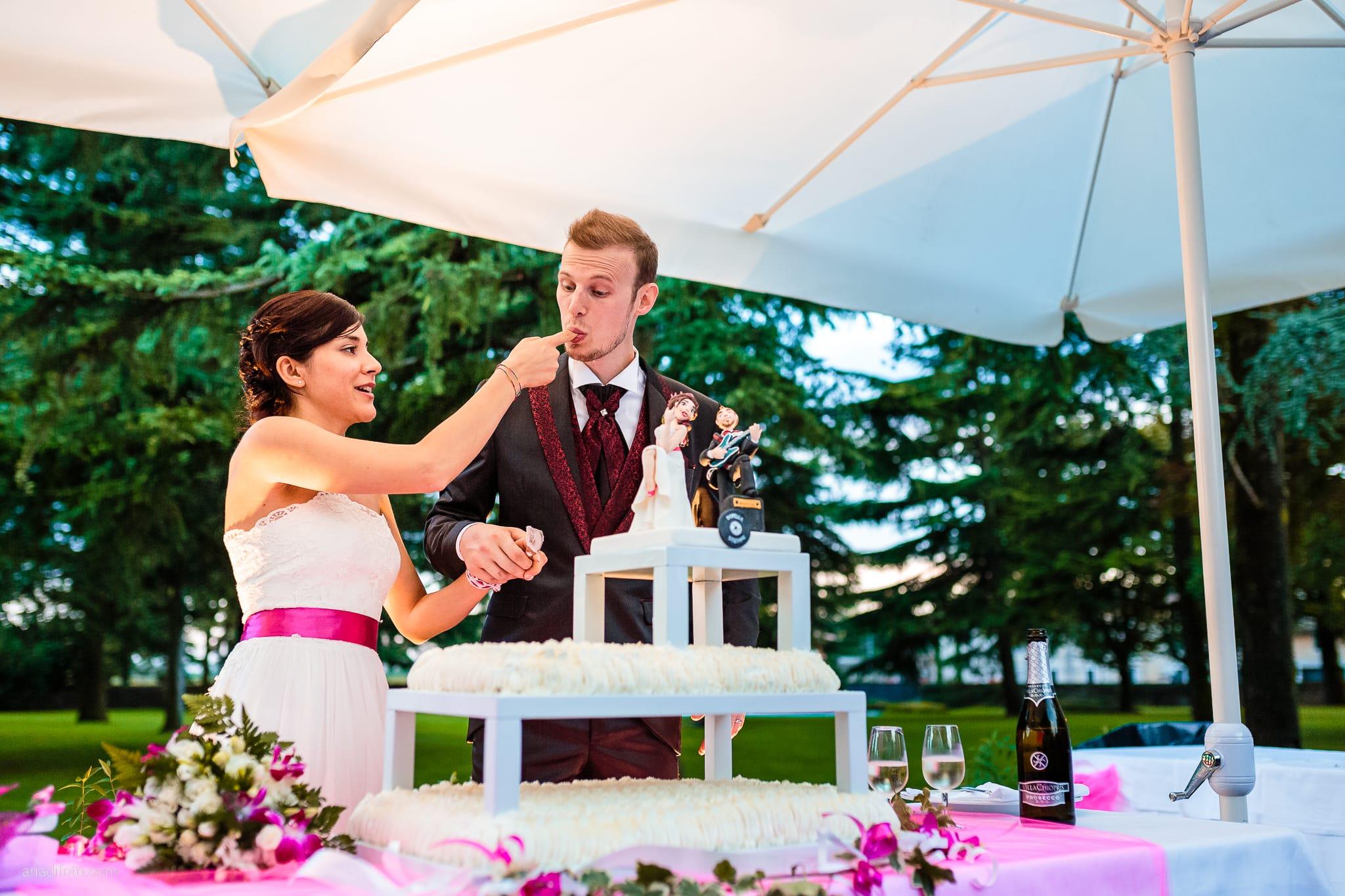Dorella Stefano matrimonio Cormons Villa Chiopris Udine ricevimento torta
