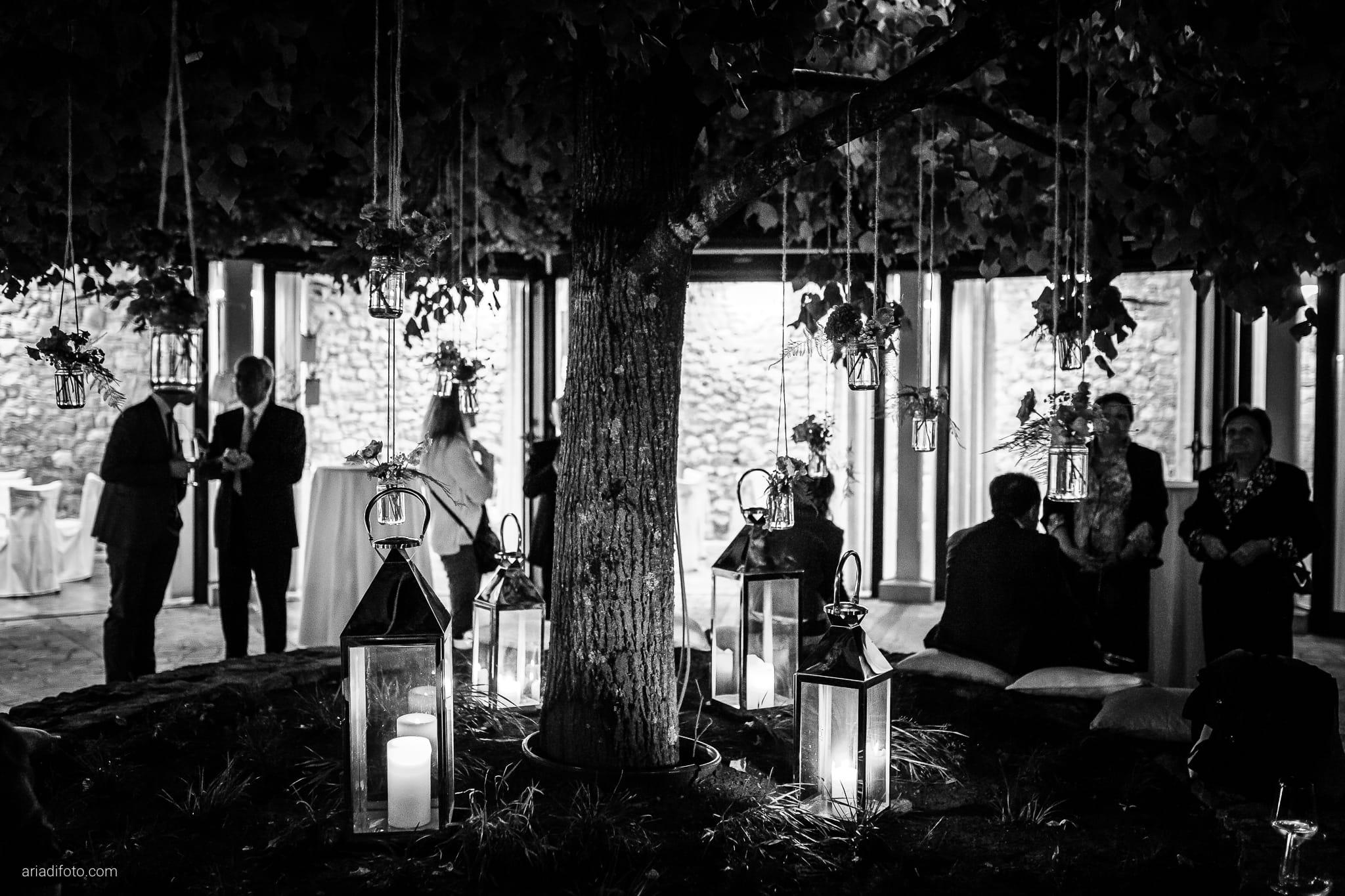 Ester Andrea matrimonio Trieste Villa Revoltella Stanjel Slovenia Gostilna Kobjeglava ricevimento dettagli location allestimenti lanterne