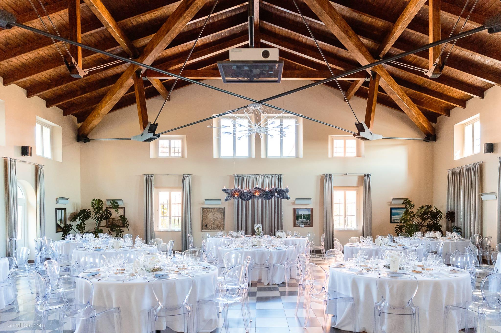 Francesca Patrick matrimonio Grado Villa Rigatti Fiumicello Udine ricevimento dettagli location tavoli allestimento centrotavola fiori orchidee
