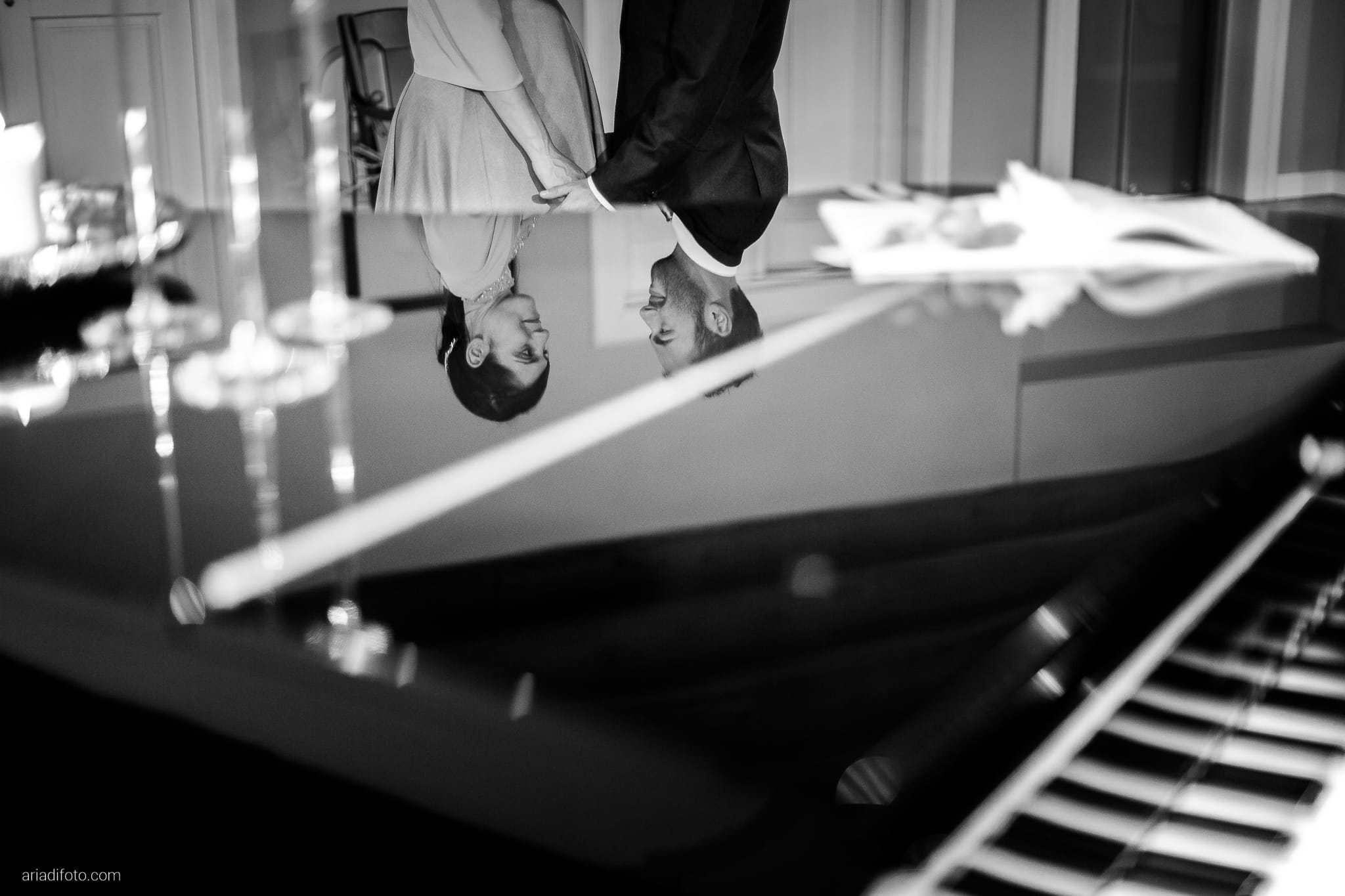 Francesca Patrick matrimonio Grado Villa Rigatti Fiumicello Udine ritratti sposi parco riflesso pianoforte