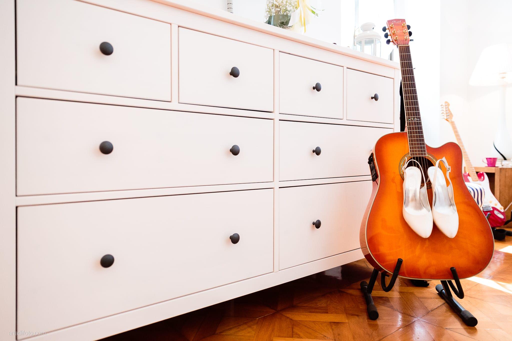 Giulia Paolo Matrimonio Trieste Villa Iachia Ruda Udine preparativi dettagli scarpe chitarra