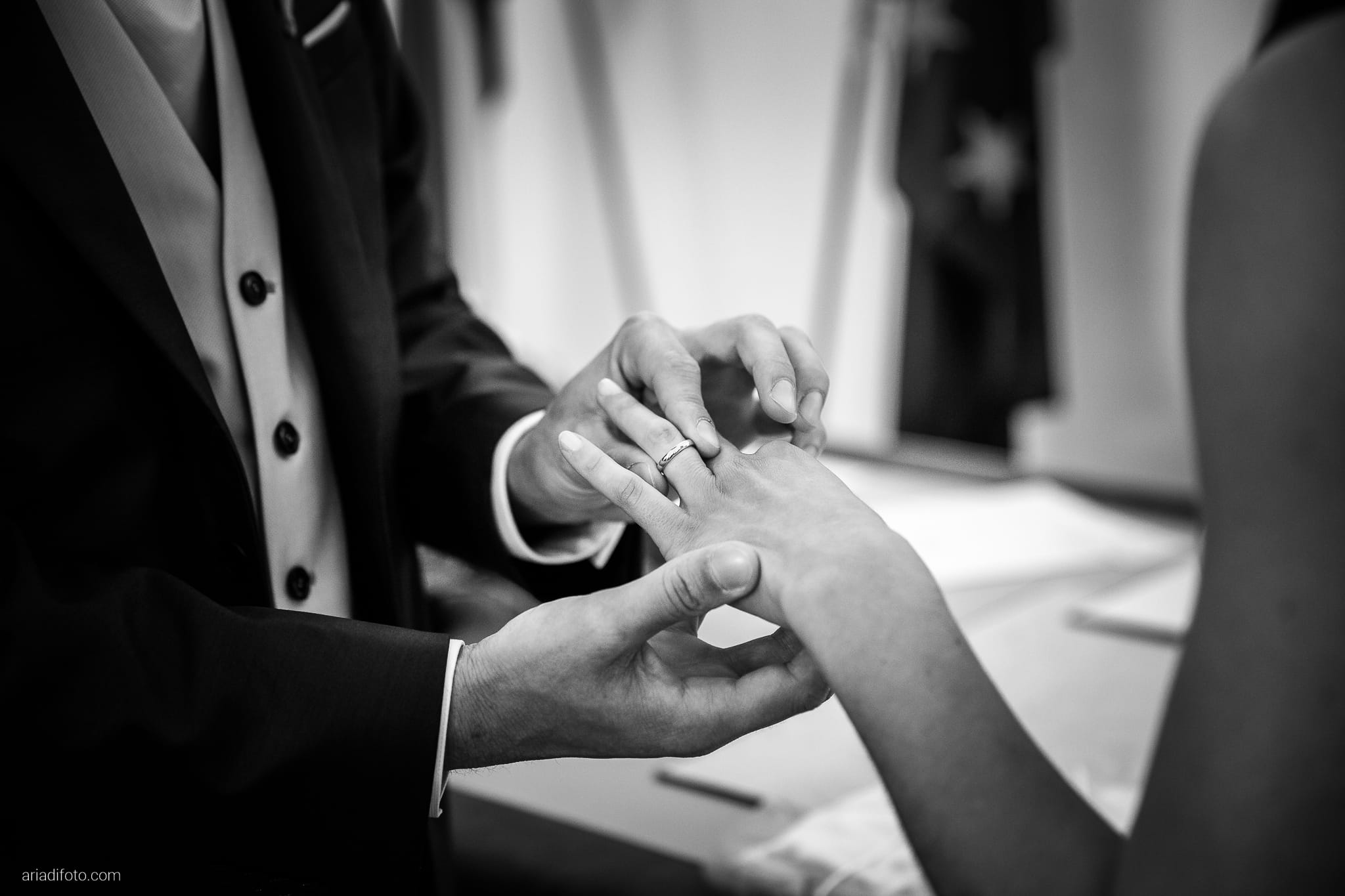 Giulia Paolo Matrimonio Trieste Villa Iachia Ruda Udine cerimonia civile Piazza Unità scambio anelli