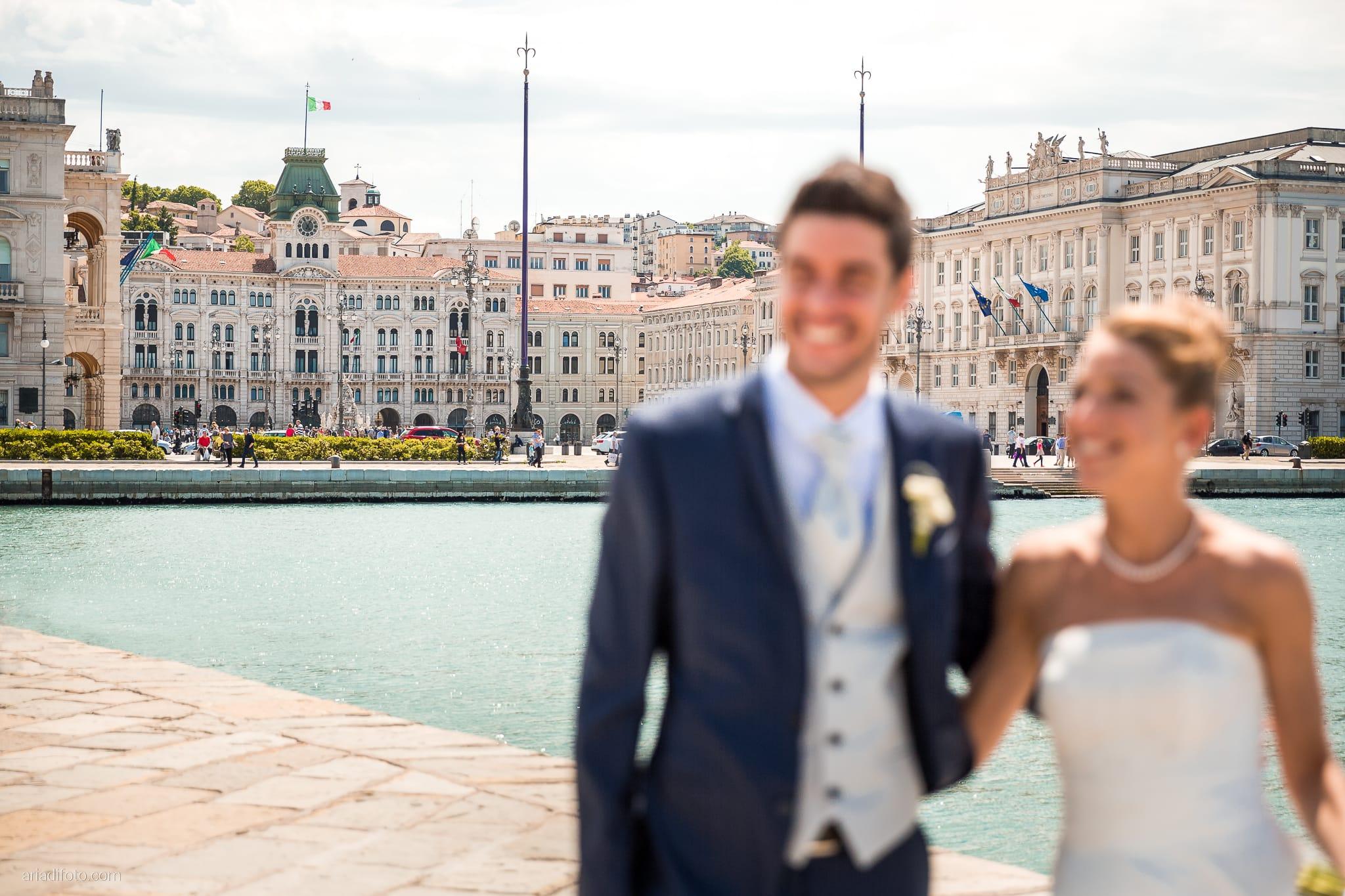 Giulia Paolo Matrimonio Trieste Villa Iachia Ruda Udine ritratti sposi Molo Audace