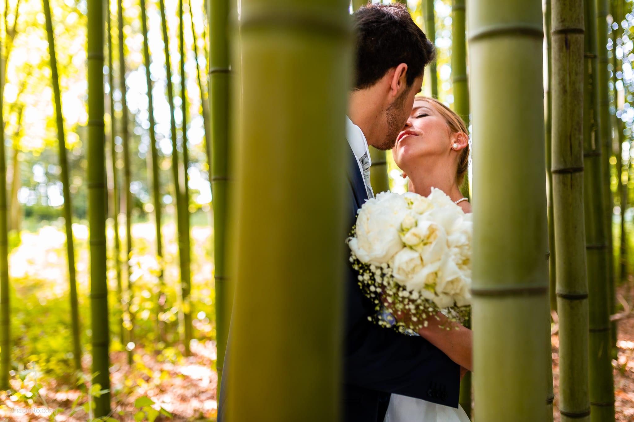 Giulia Paolo Matrimonio Trieste Villa Iachia Ruda Udine ritratti sposi parco bamboo