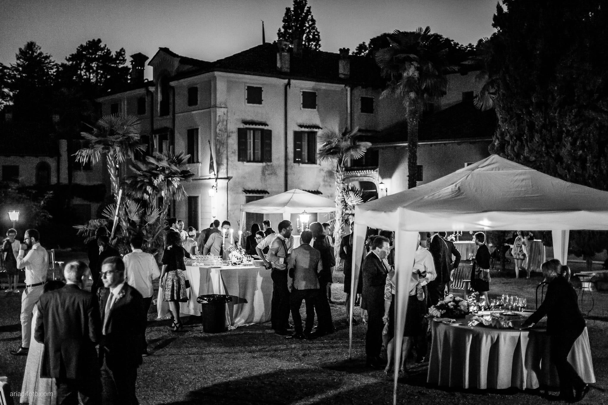 Giulia Paolo Matrimonio Trieste Villa Iachia Ruda Udine ricevimento buffet notte
