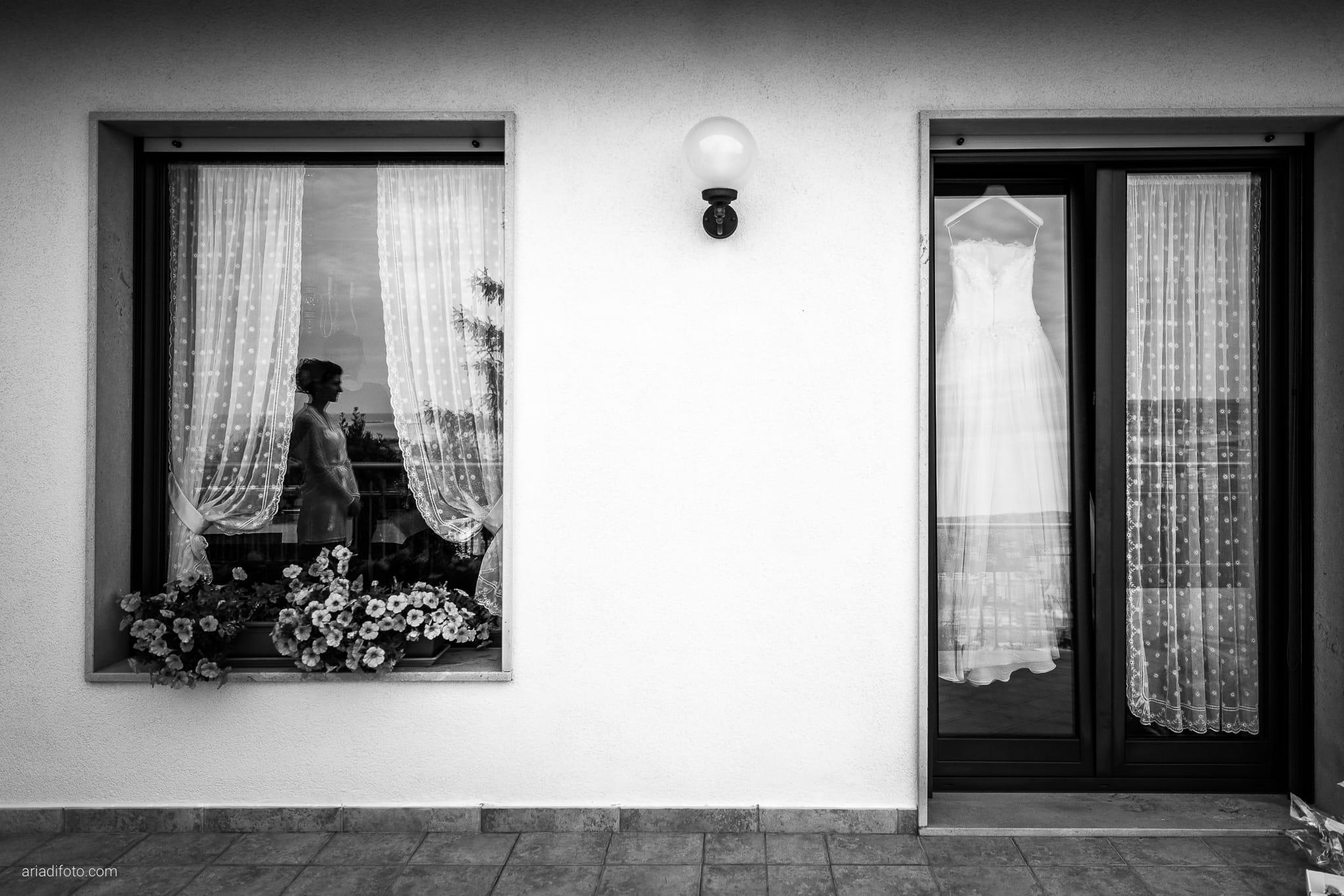 Michela Emilio Matrimonio Terrazze Riviera Trieste preparativi dettagli abito specchio riflesso