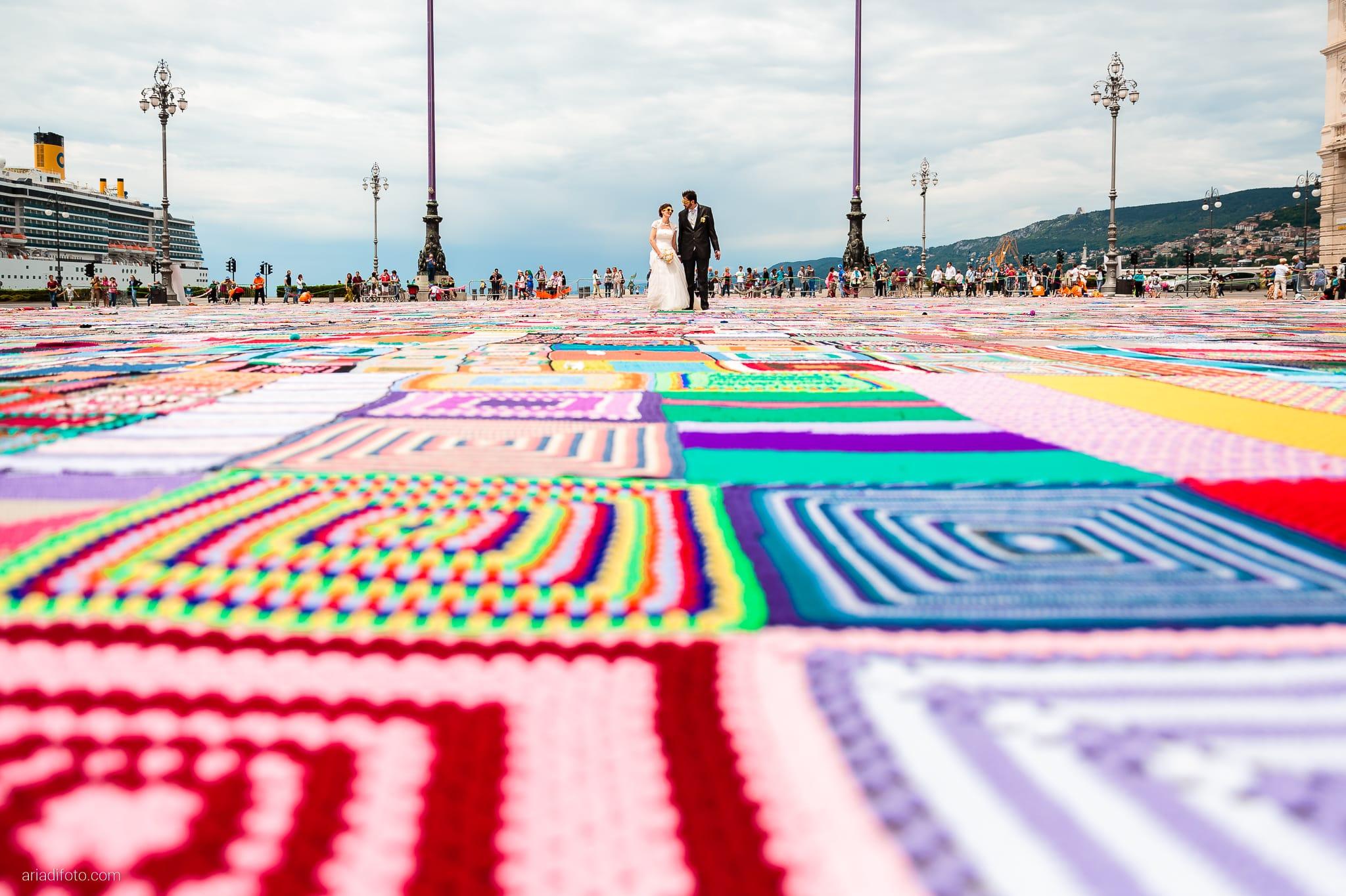 Michela Emilio Matrimonio Terrazze Riviera Trieste ritratti sposi guinnes coperta più grande del momendo