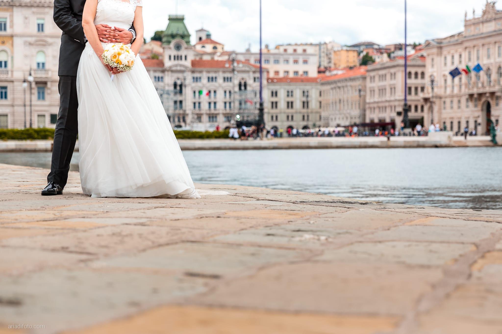 Michela Emilio Matrimonio Terrazze Riviera Trieste ritratti sposi Molo Audace
