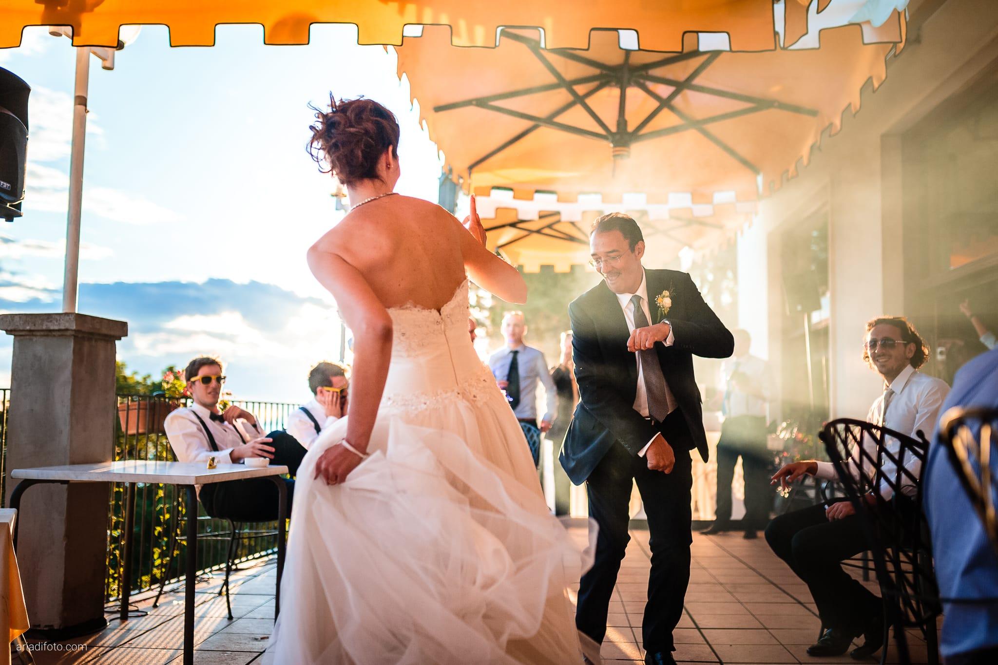 Michela Emilio Matrimonio Terrazze Riviera Trieste ricevimento primo ballo papà