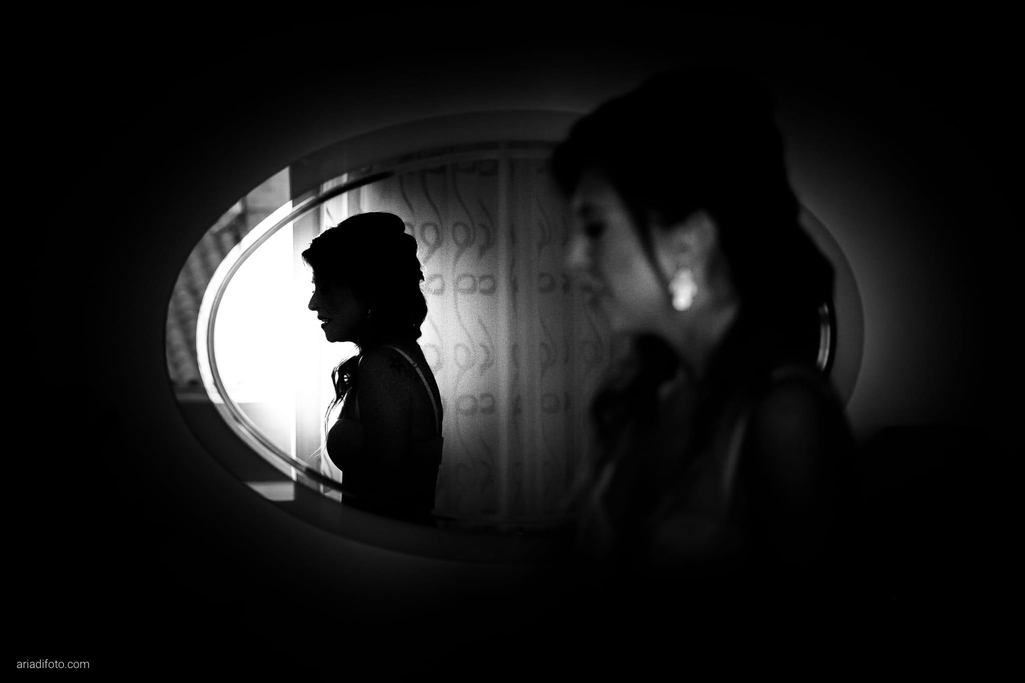 Melania Davide Matrimonio Monrupino Tavernetta Castello di Spessa Capriva Gorizia preparativi specchio riflesso silhouette