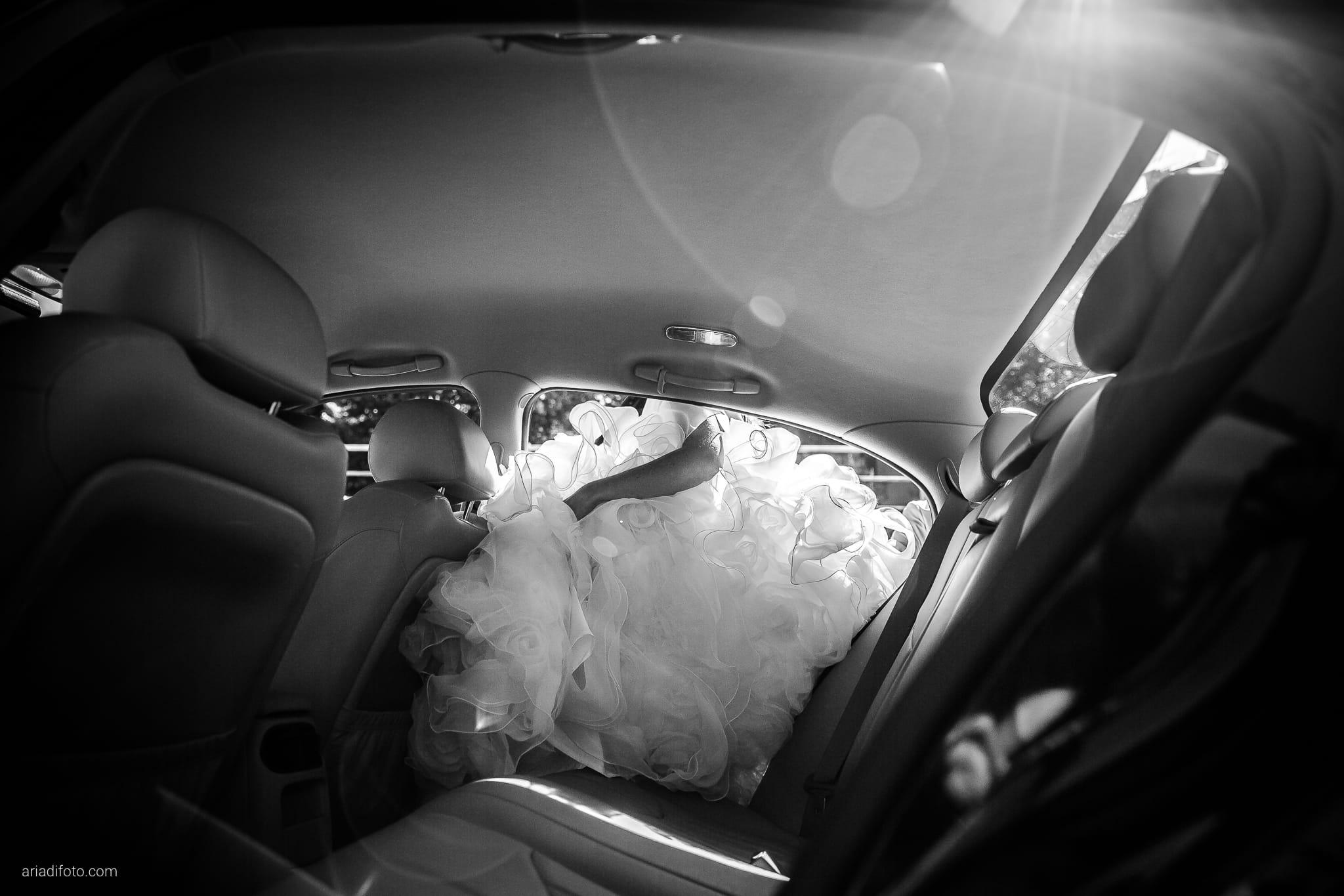 Melania Davide Matrimonio Monrupino Tavernetta Castello di Spessa Capriva Gorizia momenti auto abito controluce bagliore