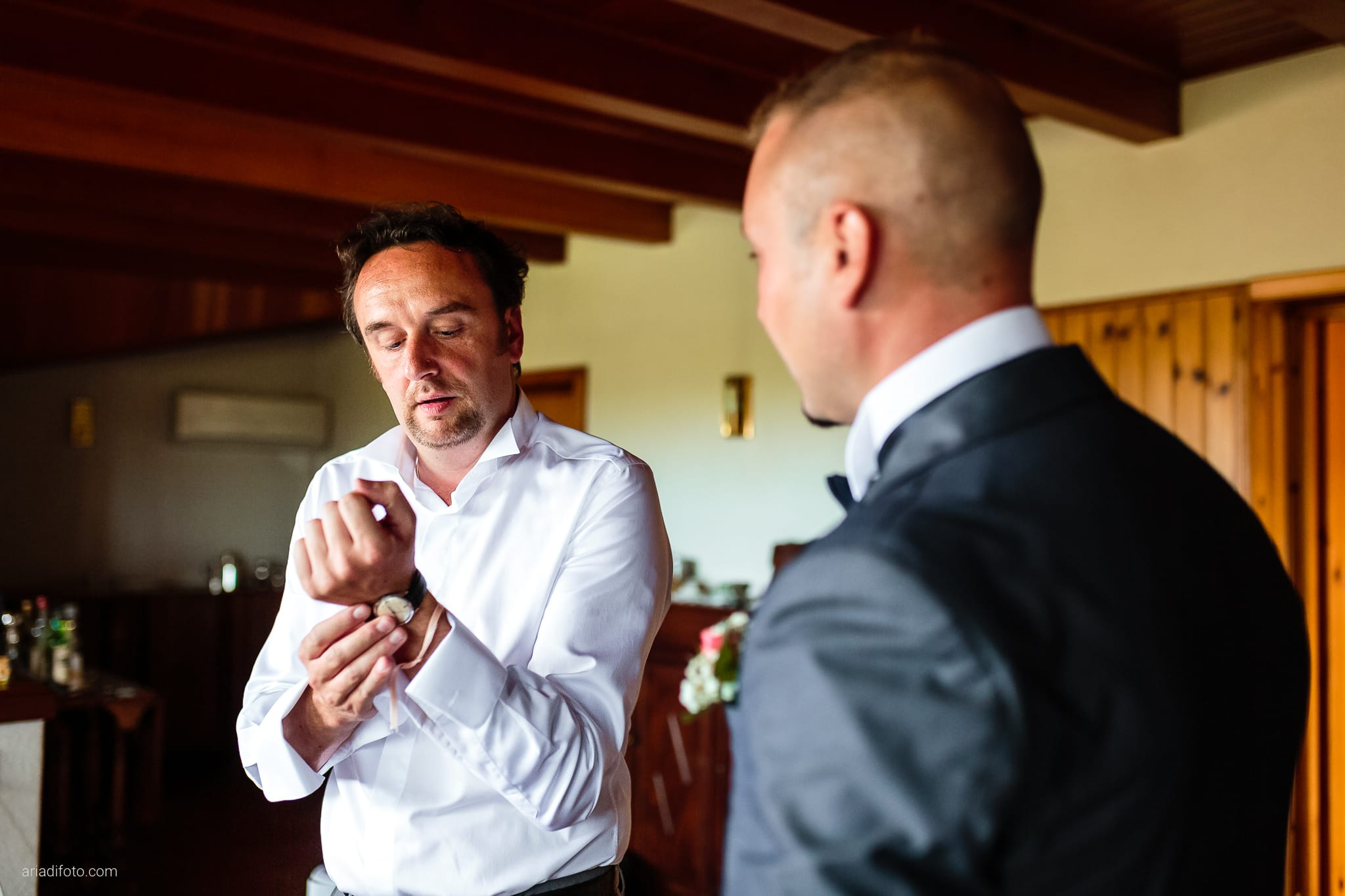 Valentina Francesco Matrimonio Pagnacco Castello Villalta Fagagna Udine preparativi orologio