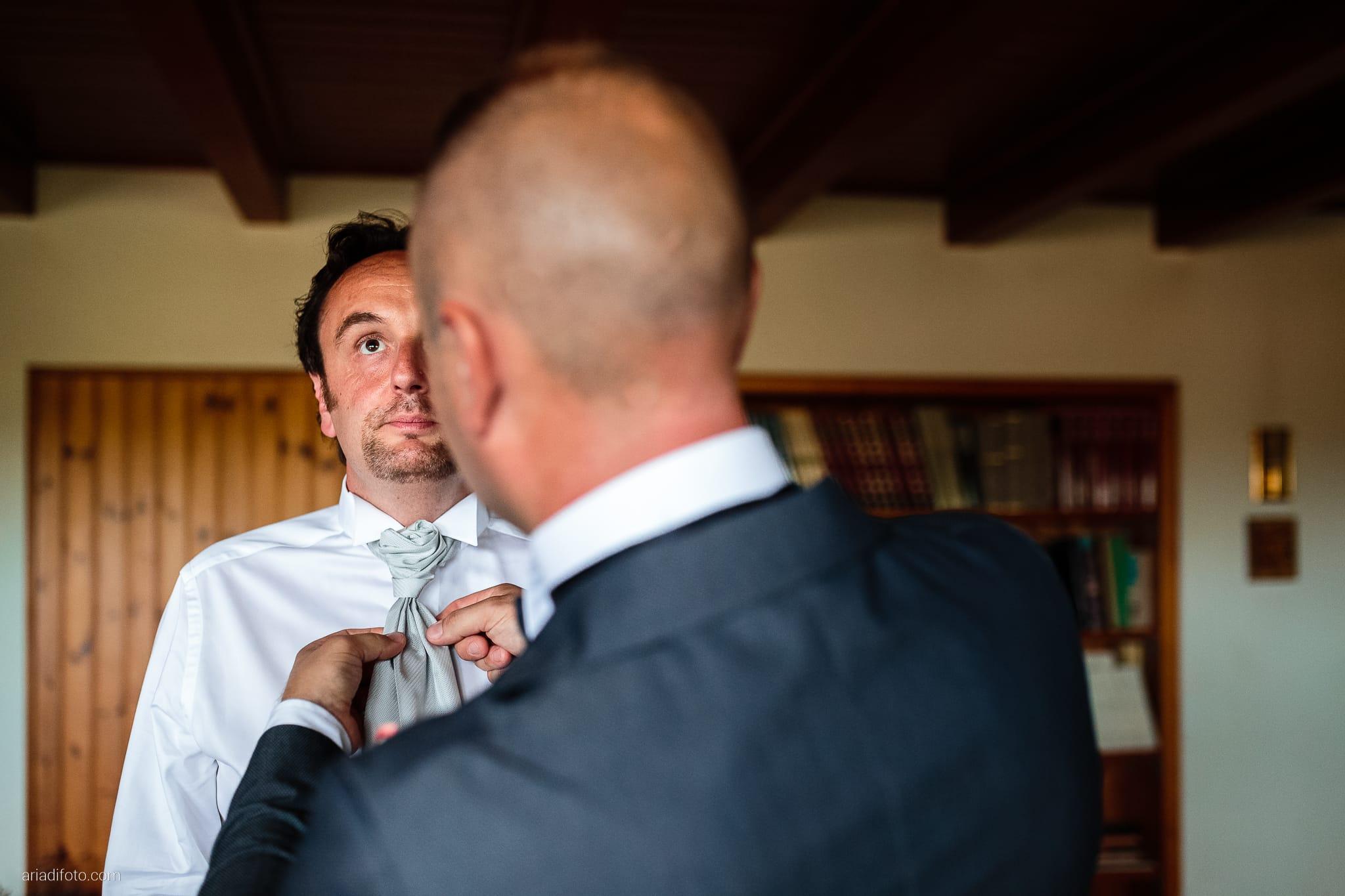 Valentina Francesco Matrimonio Pagnacco Castello Villalta Fagagna Udine preparativi cravatta