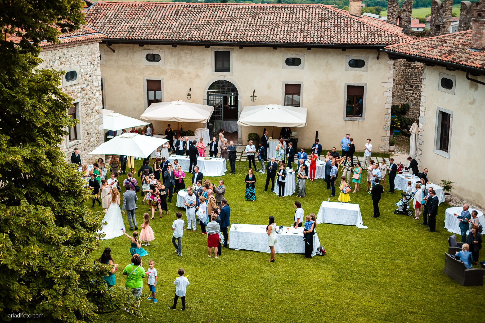 Valentina Francesco Matrimonio Pagnacco Castello Villalta Fagagna Udine ricevimento brindisi buffet