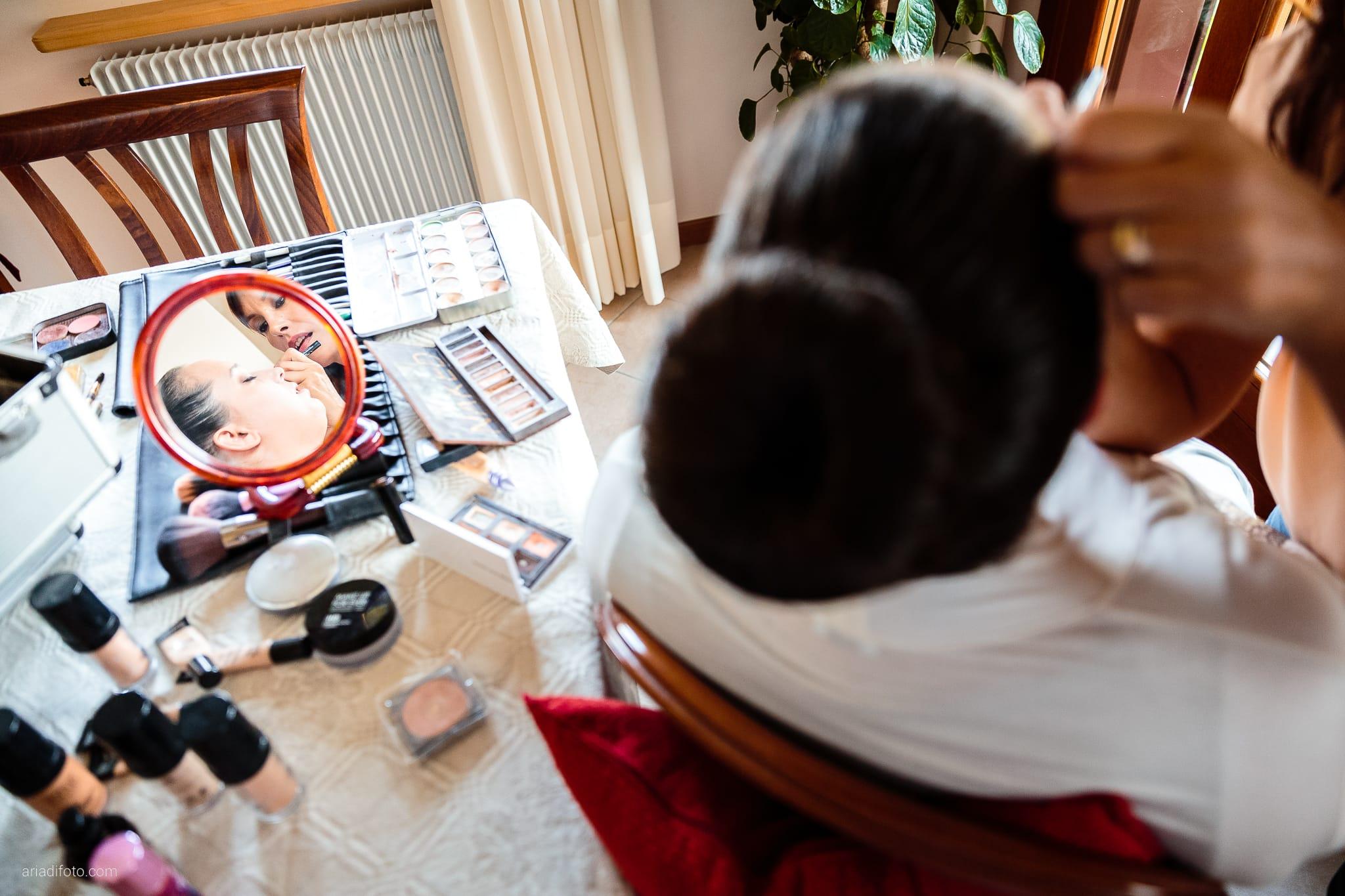 Eleonora Andrea Matrimonio Castello Papadopoli Giol San Polo Piave Treviso preparativi trucco specchio riflesso