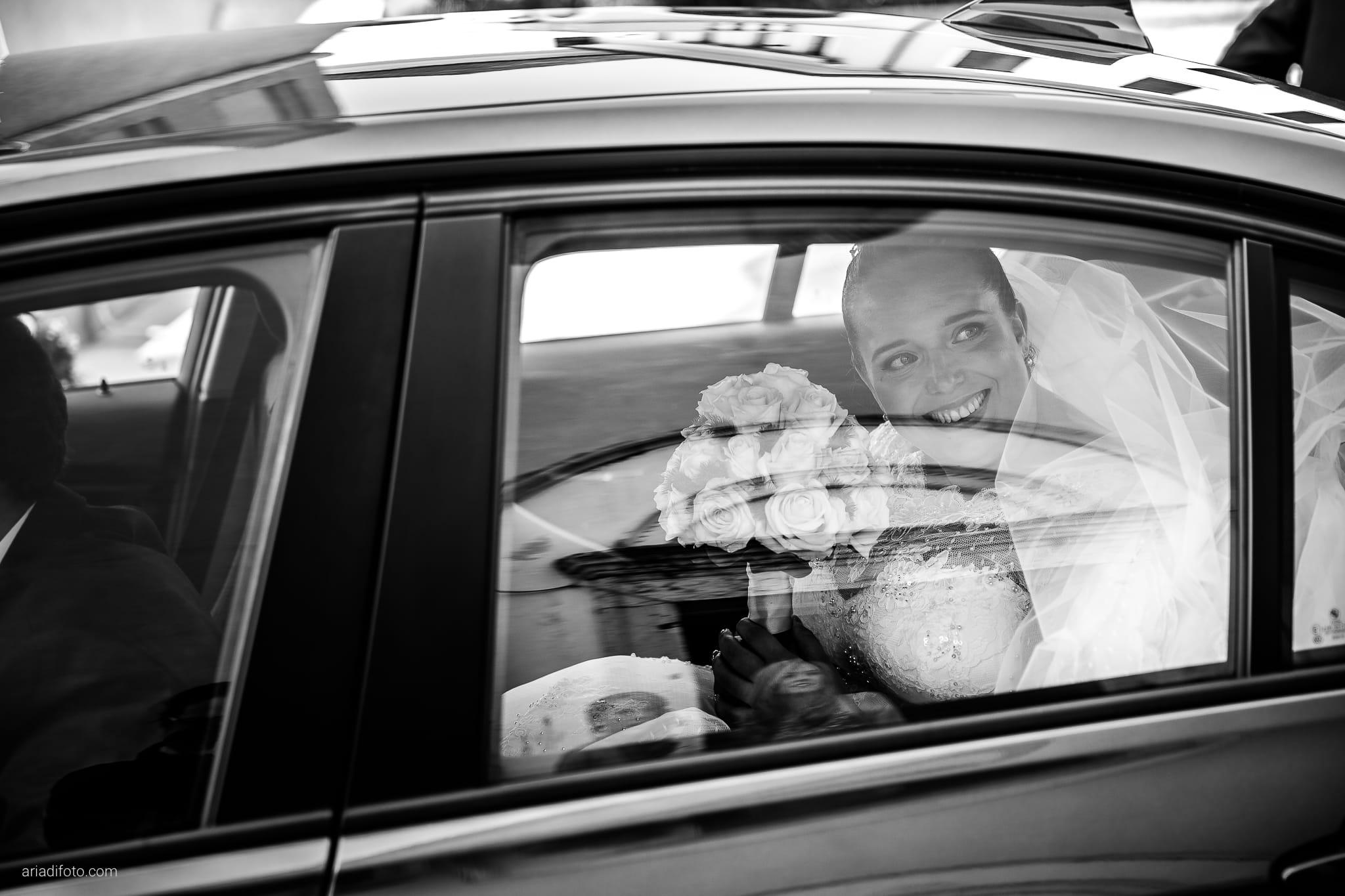 Eleonora Andrea Matrimonio Chiesa San Tiziano Vescovo Francenigo di Gaiarine Castello Papadopoli Giol San Polo Piave Treviso cerimonia ingresso sposa auto