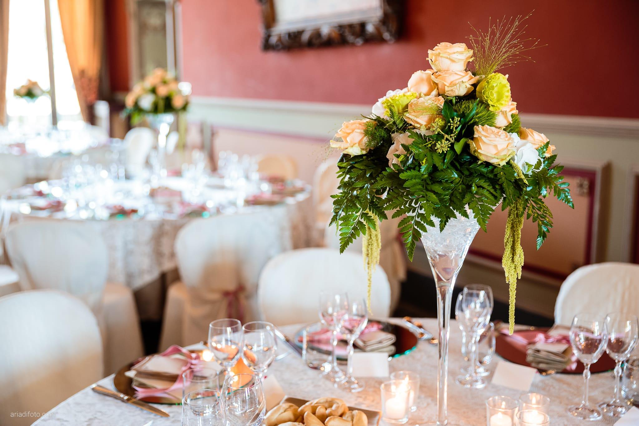 Eleonora Andrea Matrimonio Castello Papadopoli Giol San Polo Piave Treviso ricevimento dettagli sala decorazioni allestimenti centrotavola fiori rose