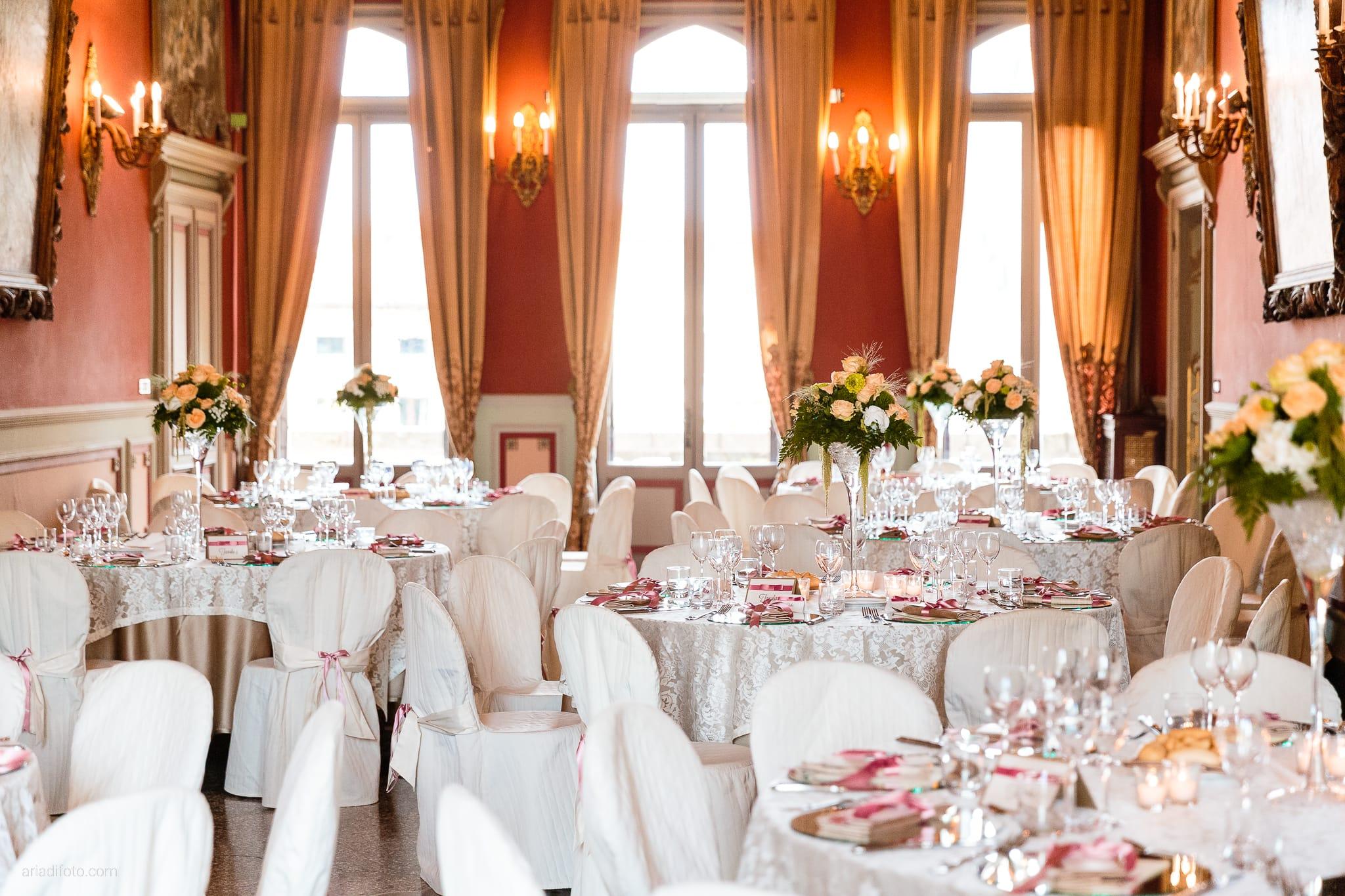 Eleonora Andrea Matrimonio Castello Papadopoli Giol San Polo Piave Treviso ricevimento dettagli sala decorazioni allestimenti